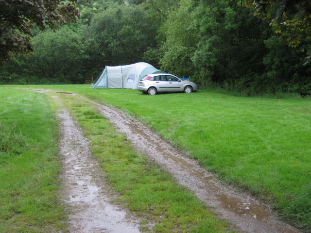http://upload.wikimedia.org/wikipedia/commons/6/67/Camping_in_the_rain_at_Westermill_Farm_-_geograph.org.uk_-_513816.jpg