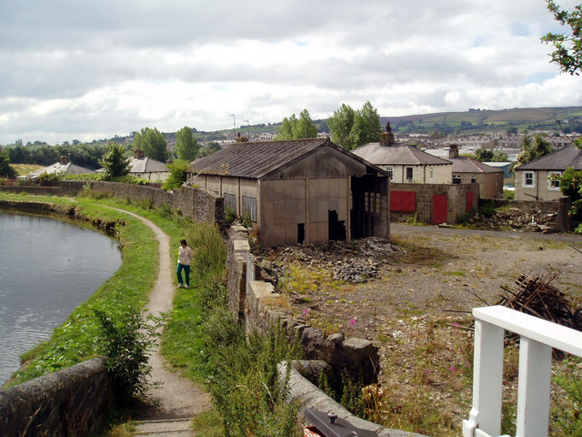 Coates Wharf, Leeds and Liverpool Canal, Barnoldswick - geograph.org.uk - 867936