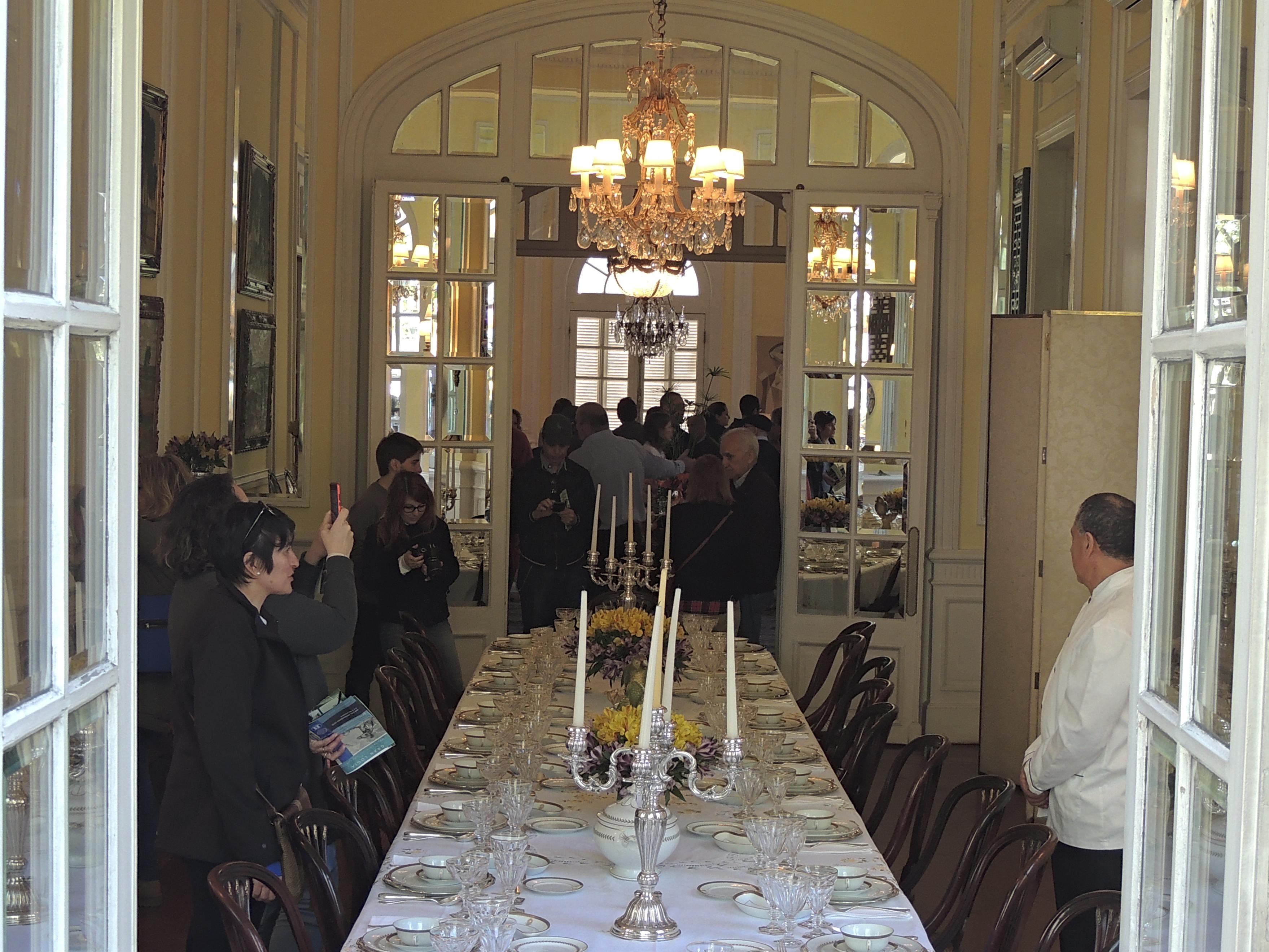 Archivo:Comedor estilo ingles del Palacio Pietracaprina.jpg ...