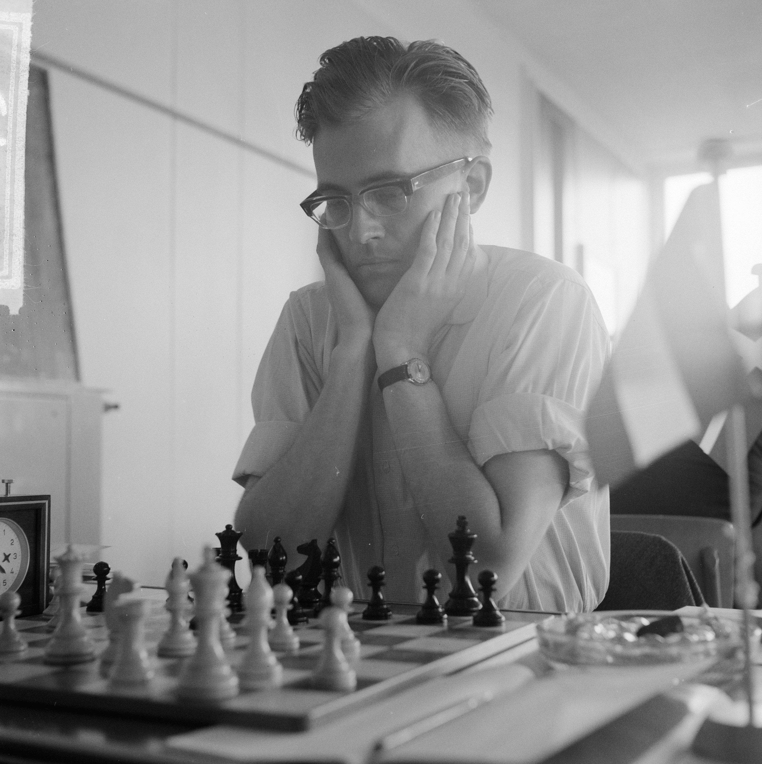 File:Derde ronde IBM schaaktoernooi, Kuypers, Bestanddeelnr 916-6751.jpg