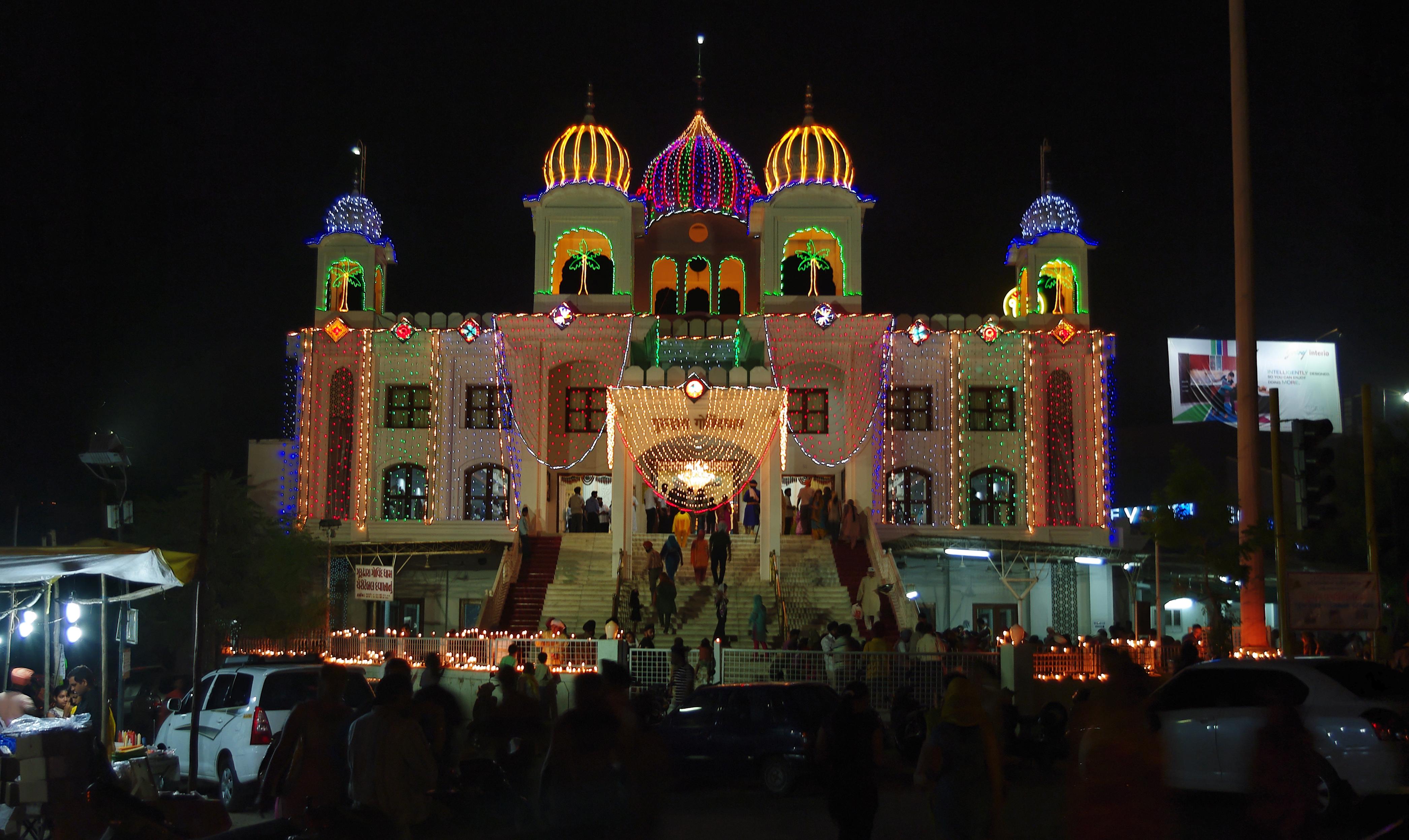 Ahmedabad India  city photos gallery : Diwali Lighting in Ahmedabad, India 2009 Wikimedia Commons