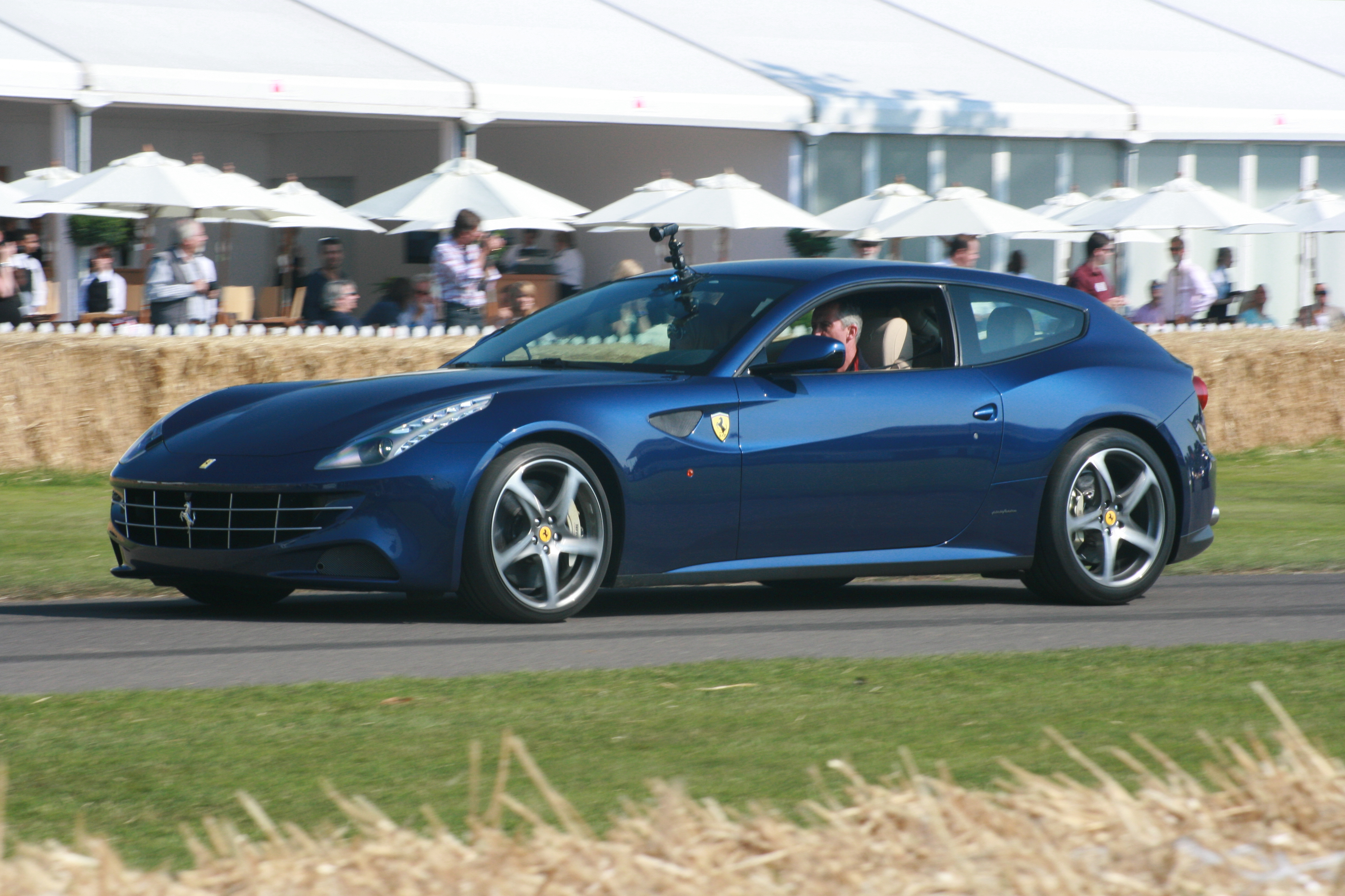 File Ferrari Ff Jpg Wikimedia Commons