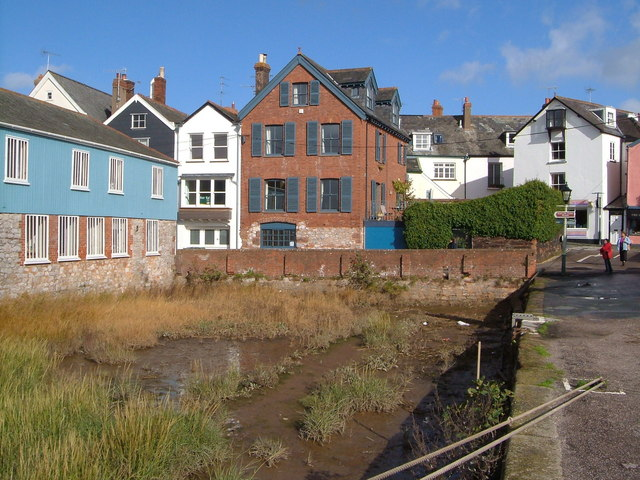 Ferry Road from Topsham Quay - geograph.org.uk - 265178