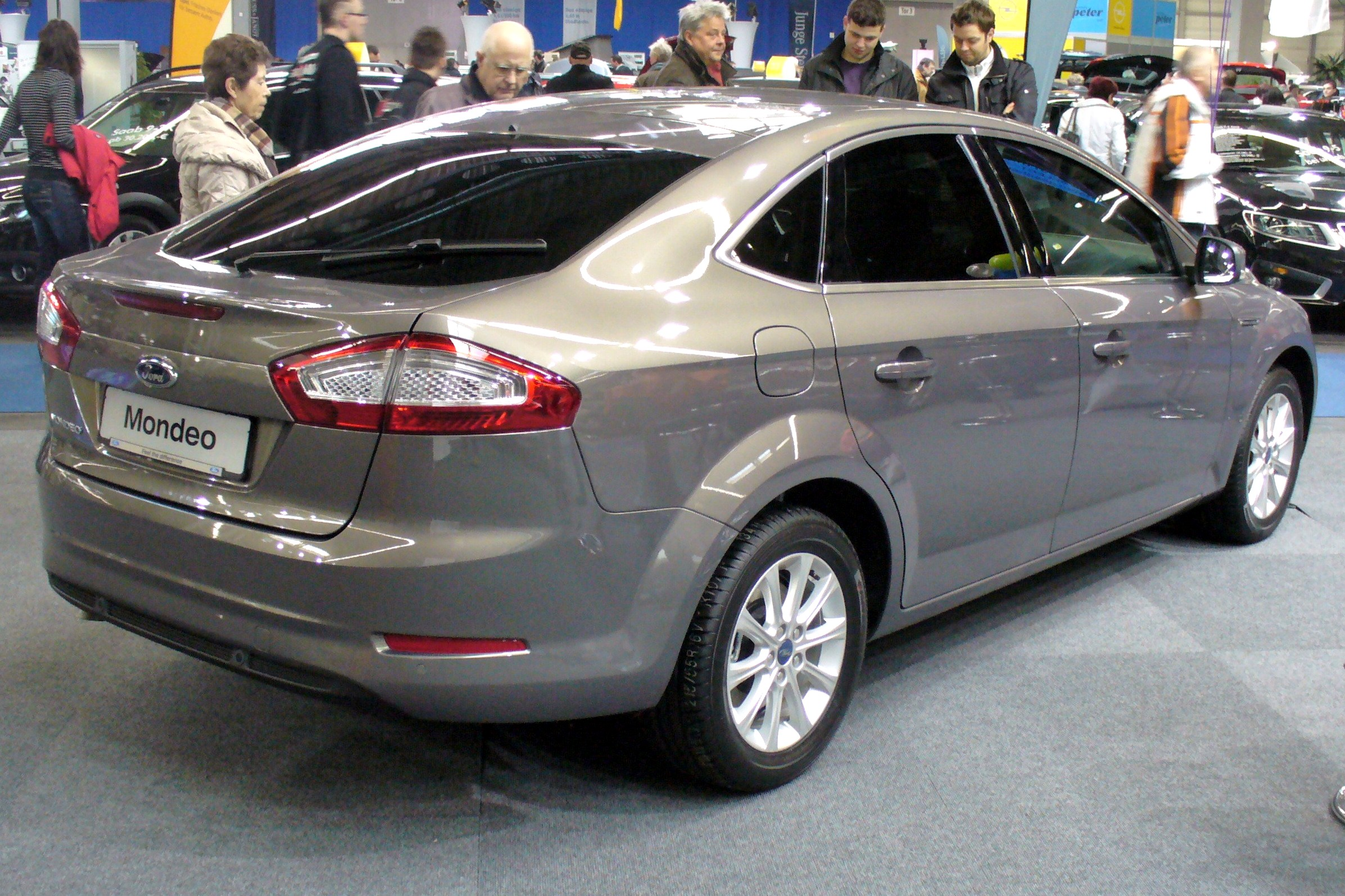 file ford mondeo facelift 2010 heck jpg wikimedia commons. Black Bedroom Furniture Sets. Home Design Ideas