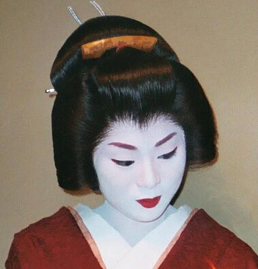 Las hermosas... Tradiciones... Geisha_Kyoto_Gion2