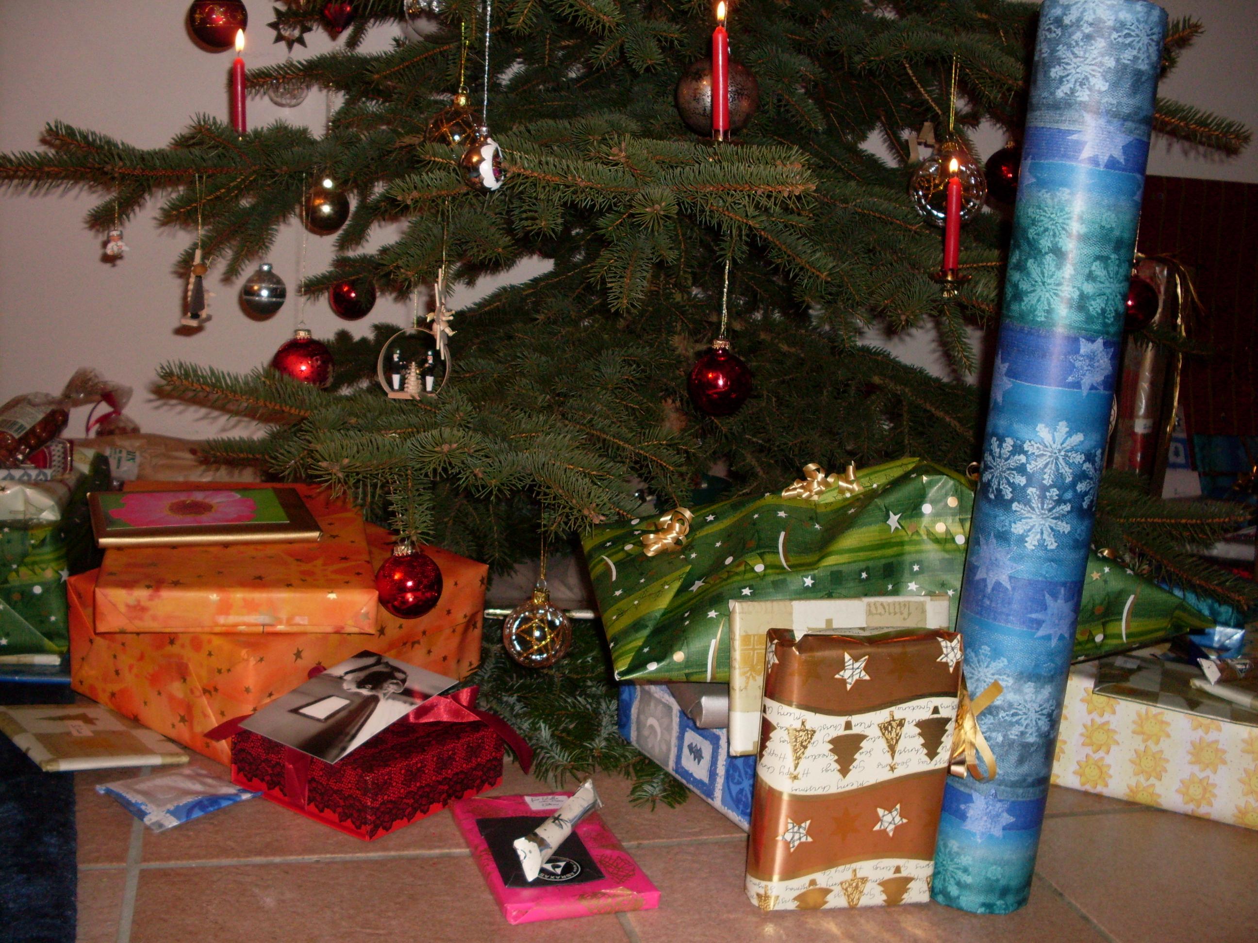 Datei:Geschenke 02.JPG – Wikipedia