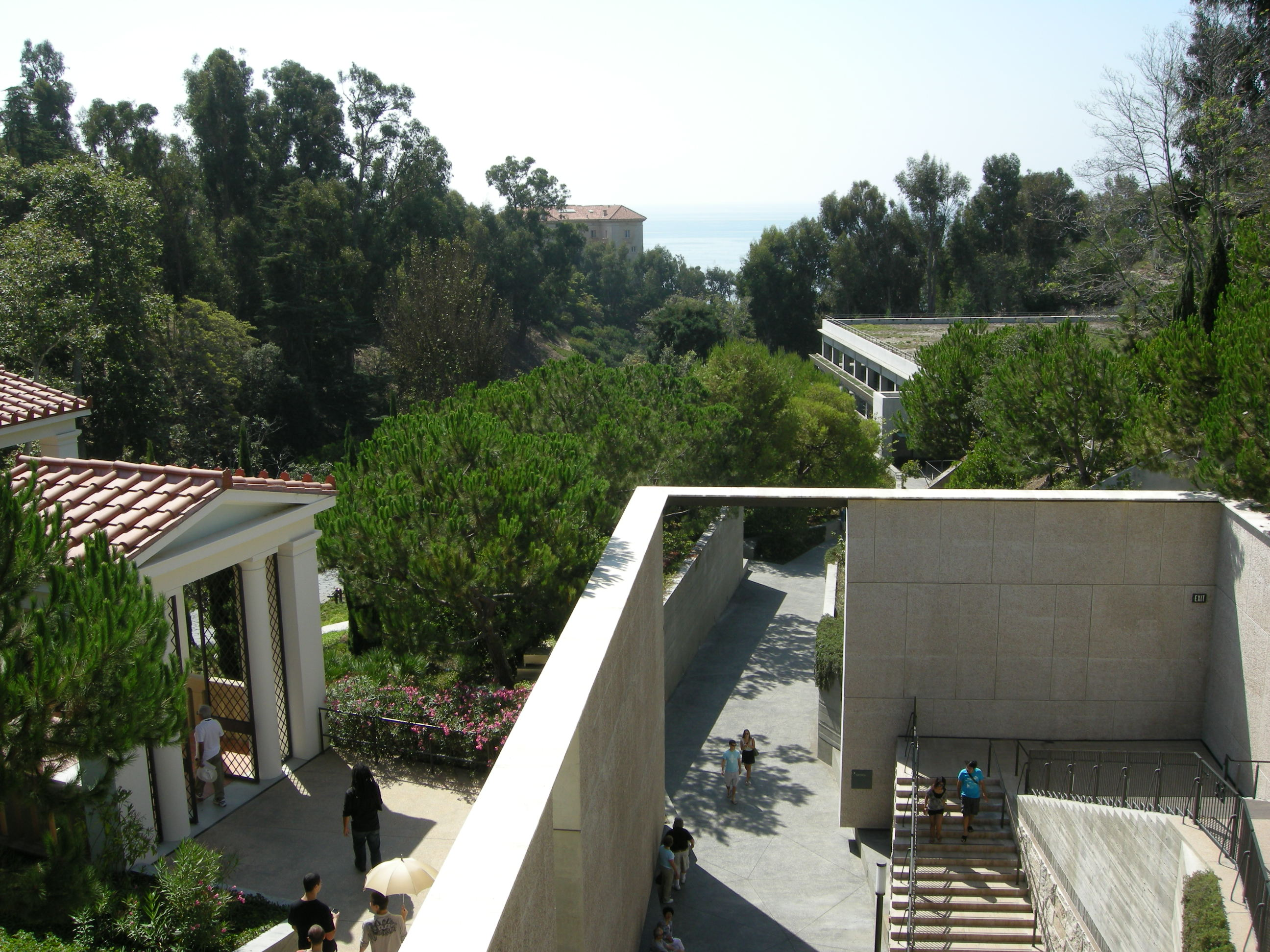 File:Getty villa, terrazza.JPG - Wikimedia Commons
