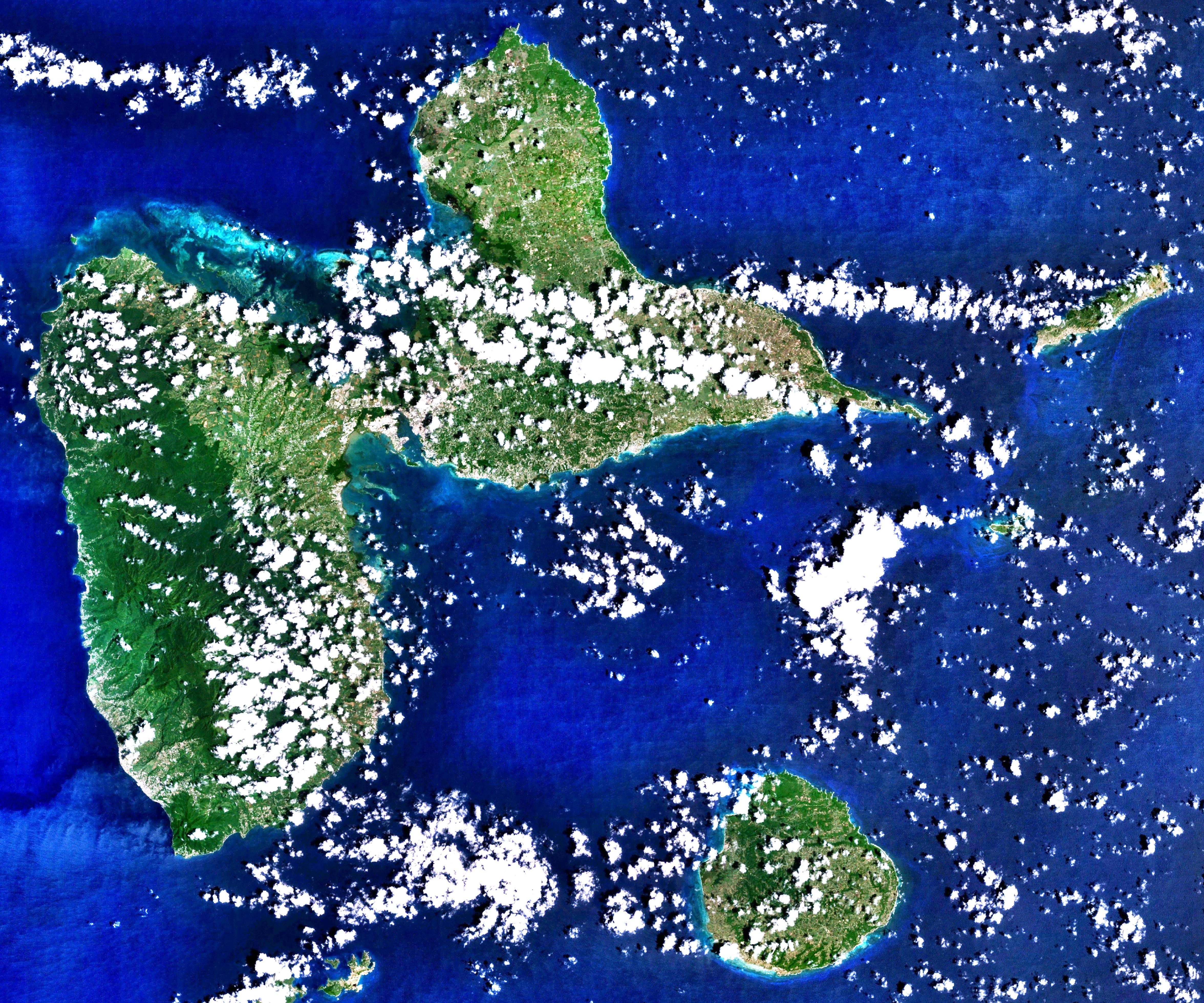 File:Guadeloupe 16.1890N 6.5901W Landsat7.   Wikimedia Commons