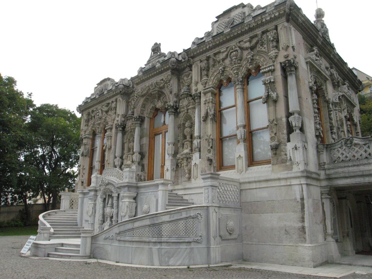 Ihlamur_Palace_Ceremonial_House_07.jpg