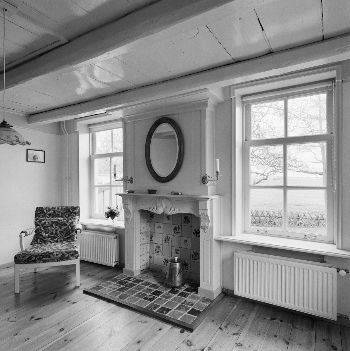 File interieur voorkamer houten schouw met tegels molkwerum 20326138 wikimedia - Mat tegels ...