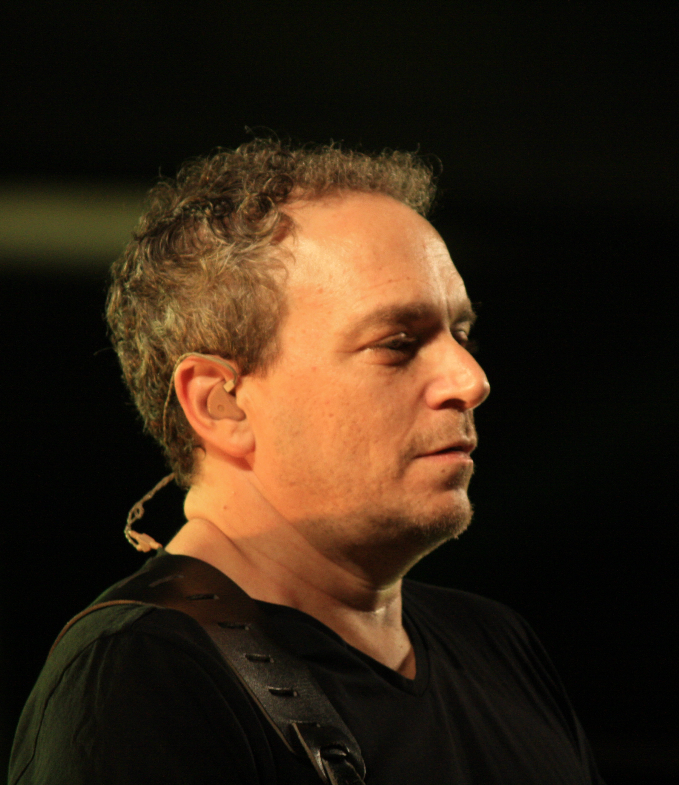 Picture of a band or musician: Izhar Ashdot