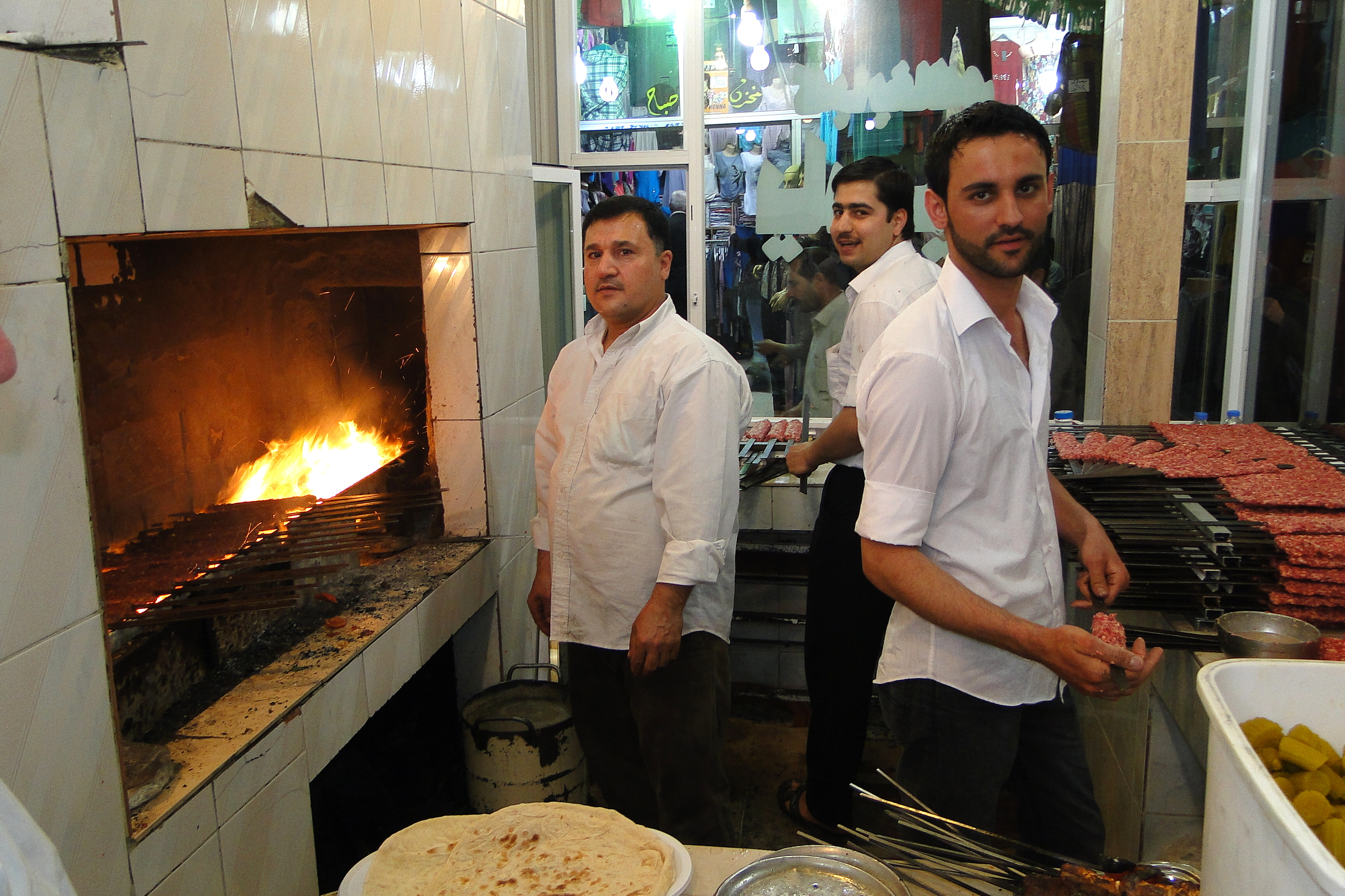 File:Kebab Sellers - Bazaar - Erbil - Iraq.jpg