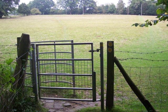Kissing Gate near Well Wood - geograph.org.uk - 1501032