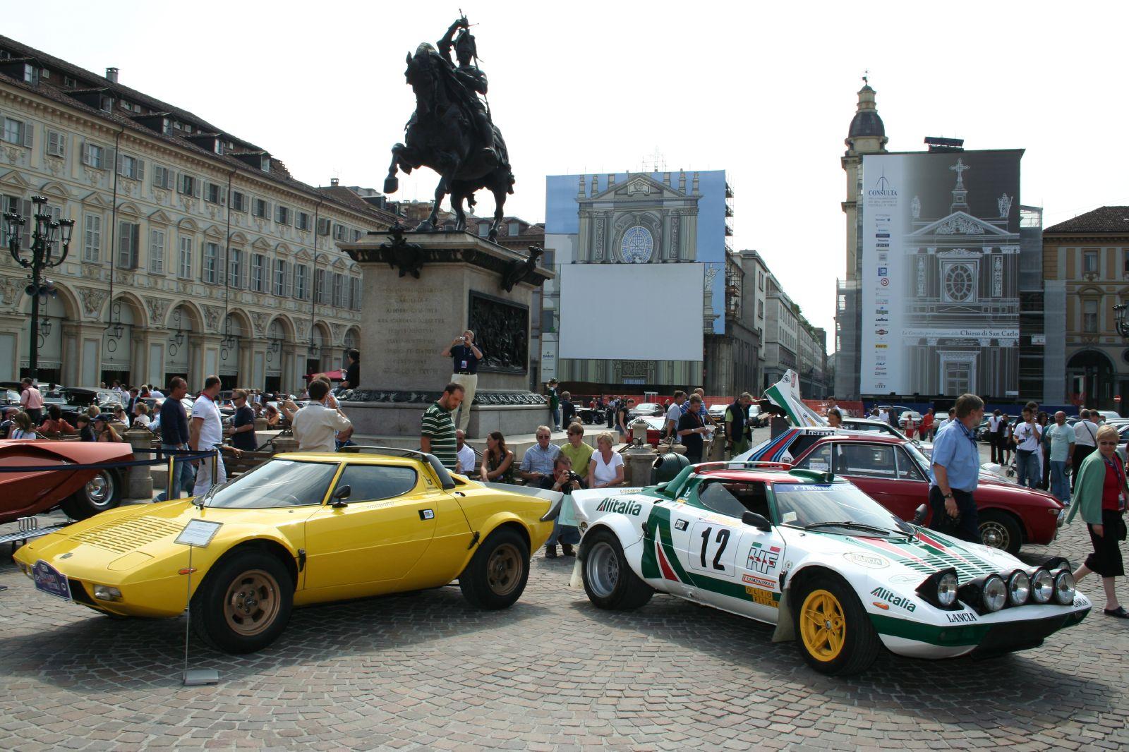 https://upload.wikimedia.org/wikipedia/commons/6/67/Lancia_Stratos_HF_01.jpg