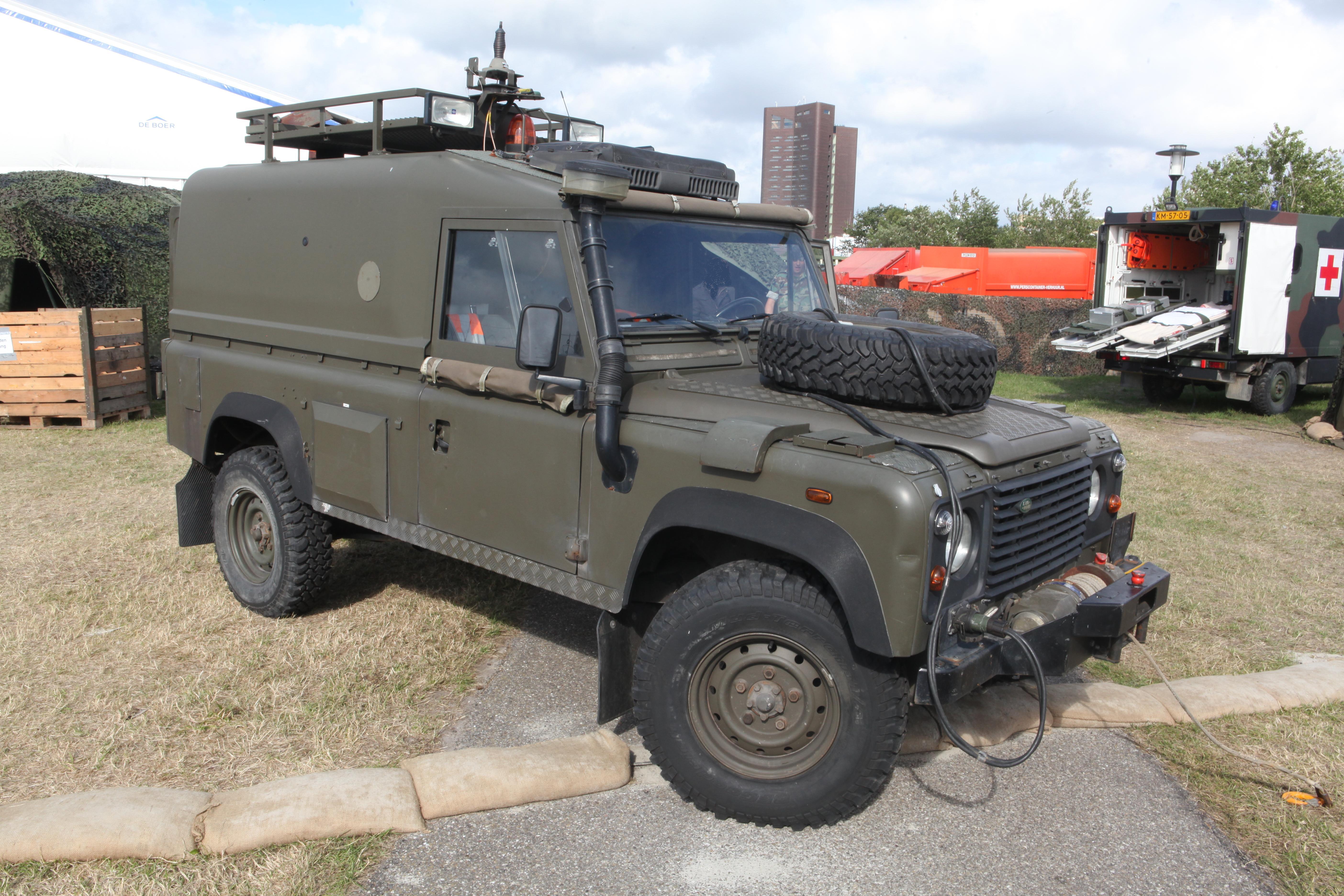 Land Rover Marin >> File Land Rover Defender Netherlands Marine Corps Flickr