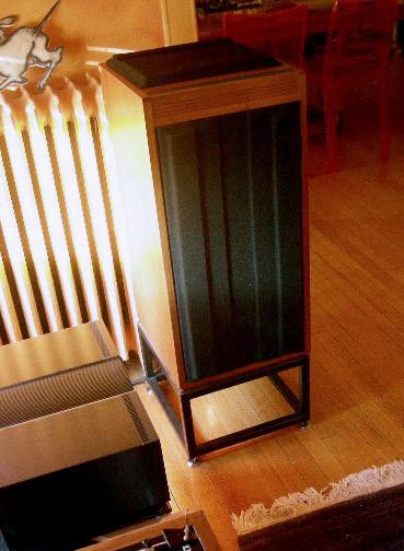File:Linn Isobarik DMS loudspeaker (with in-built crossover