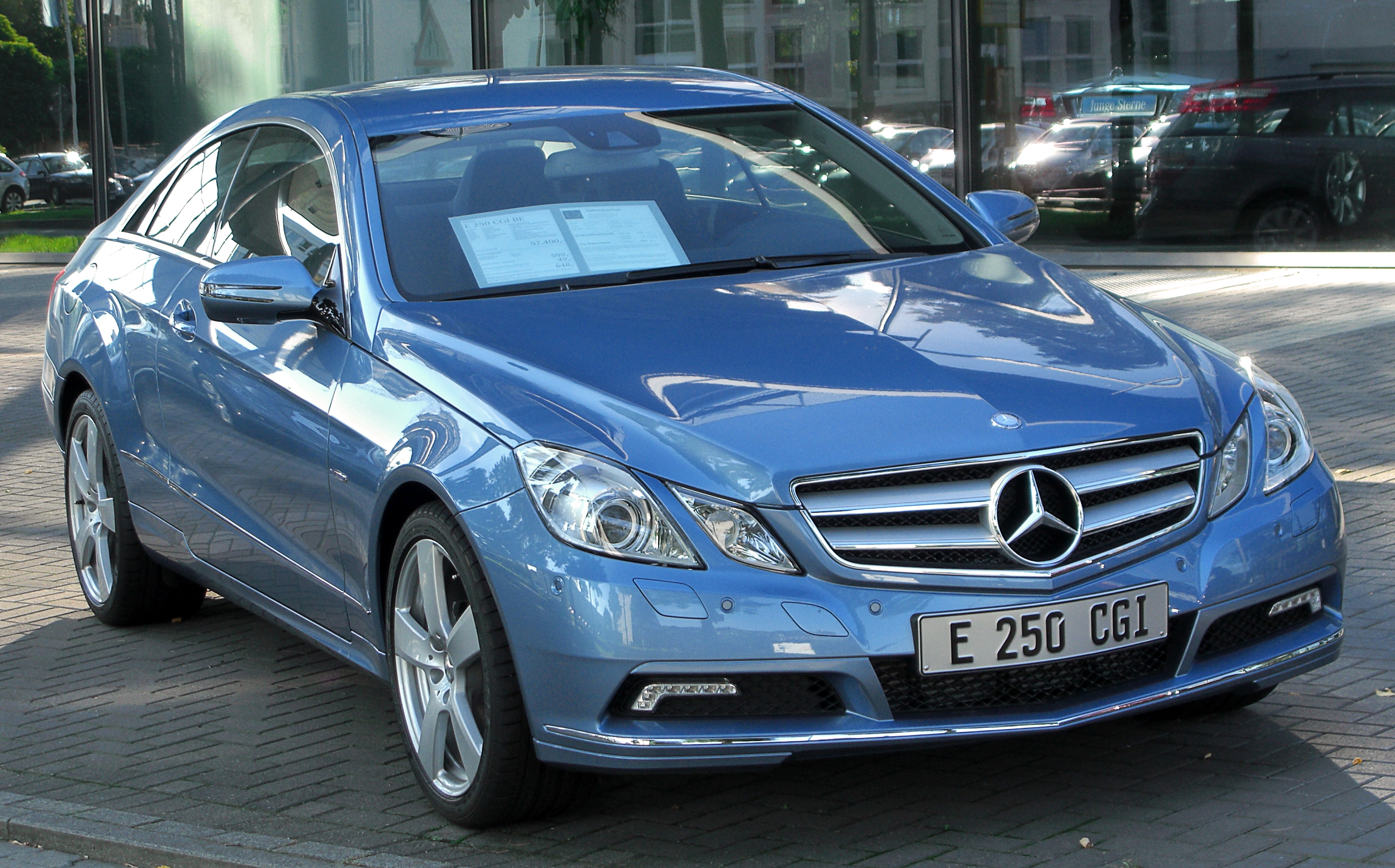 file mercedes e 250 cgi blueefficiency coup c207 front wikimedia commons. Black Bedroom Furniture Sets. Home Design Ideas