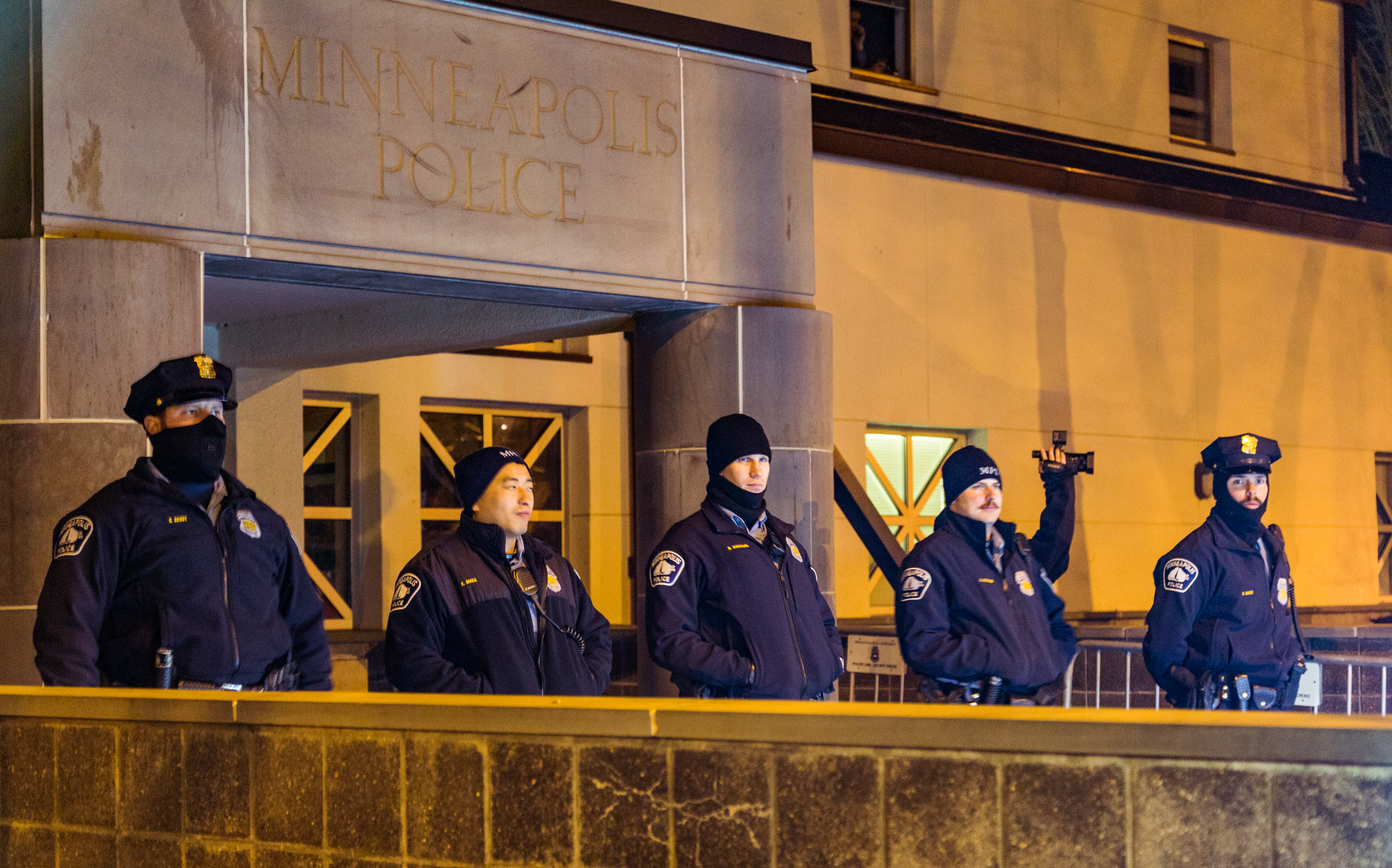File:Minneapolis Police blocking 4th Precinct entrance and filming ...