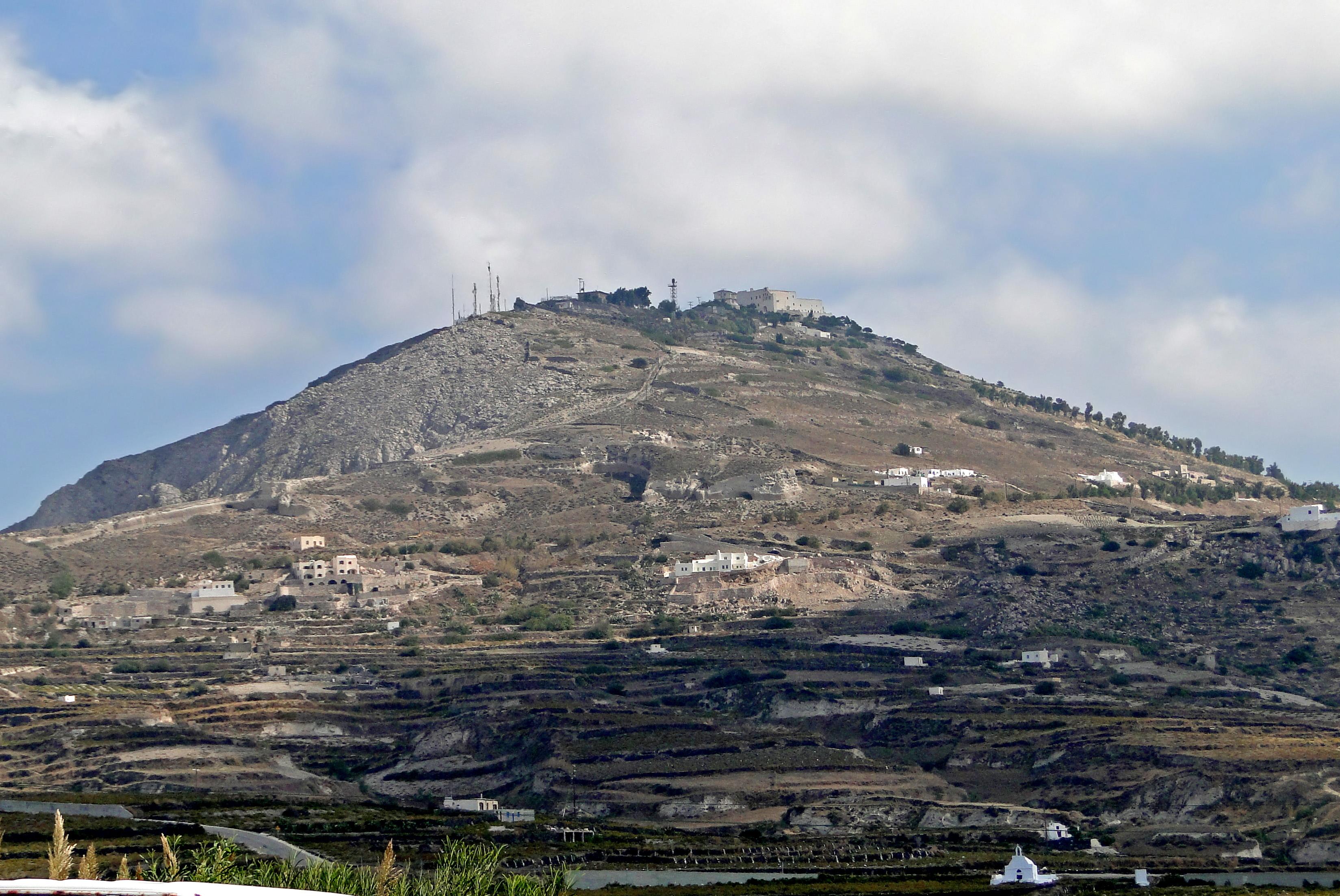File:Mount Profitis Ilias, Santorini.jpg - Wikimedia Commons