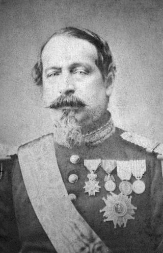 https://upload.wikimedia.org/wikipedia/commons/6/67/Napoleon_III.jpg