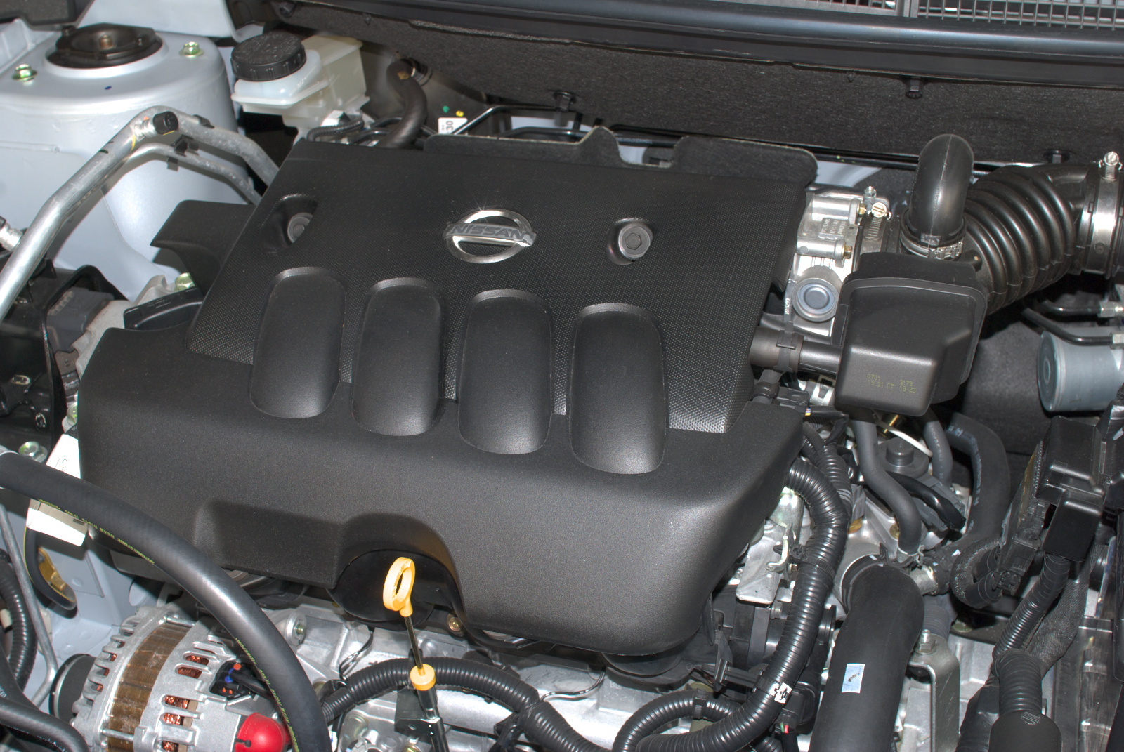 File nissan mr20de engine jpg wikimedia commons