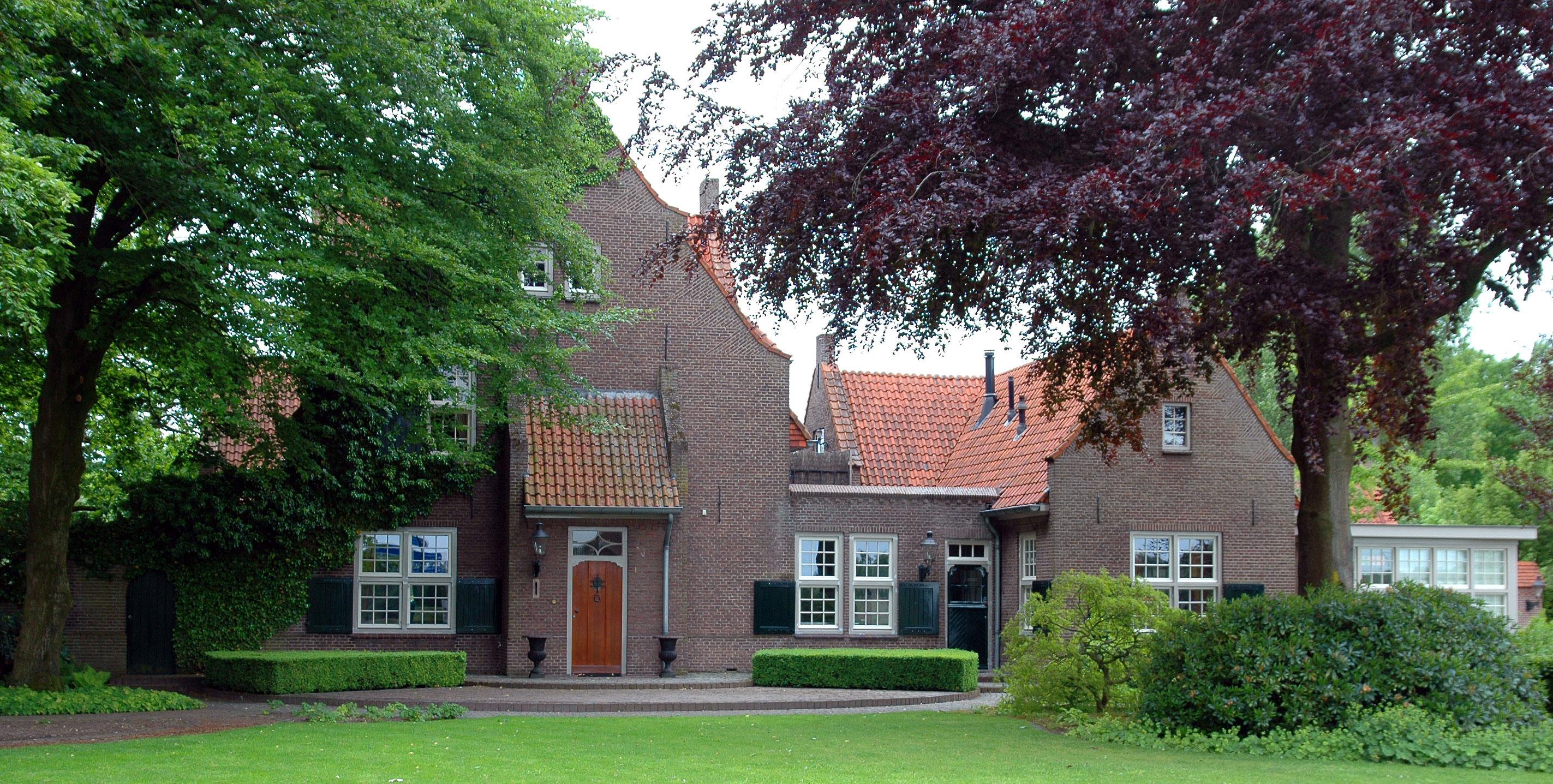Villa in nuenen monument for Huis en tuin nuenen