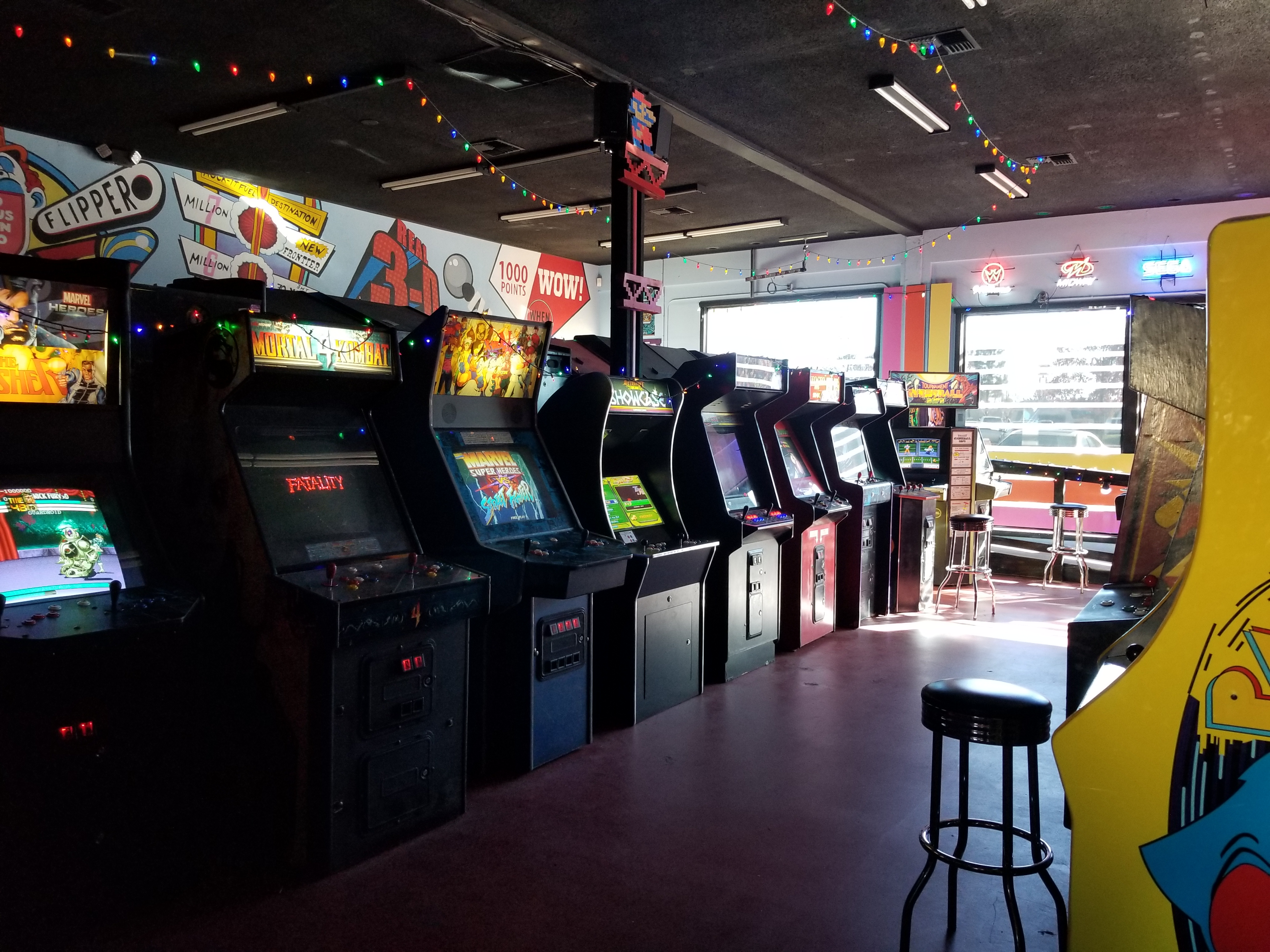 File:Retrovolt Arcade 2017 - Arcade Machines 1.jpg - Wikipedia