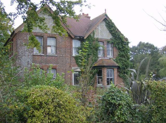 Ripe for renovation on Chawton Lane - geograph.org.uk - 571655.jpg English: Ripe for renovation on Chawton Lane This house may have been the