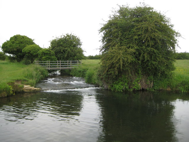 River Hiz weir and weirpool at Arlesey - geograph.org.uk - 1921914