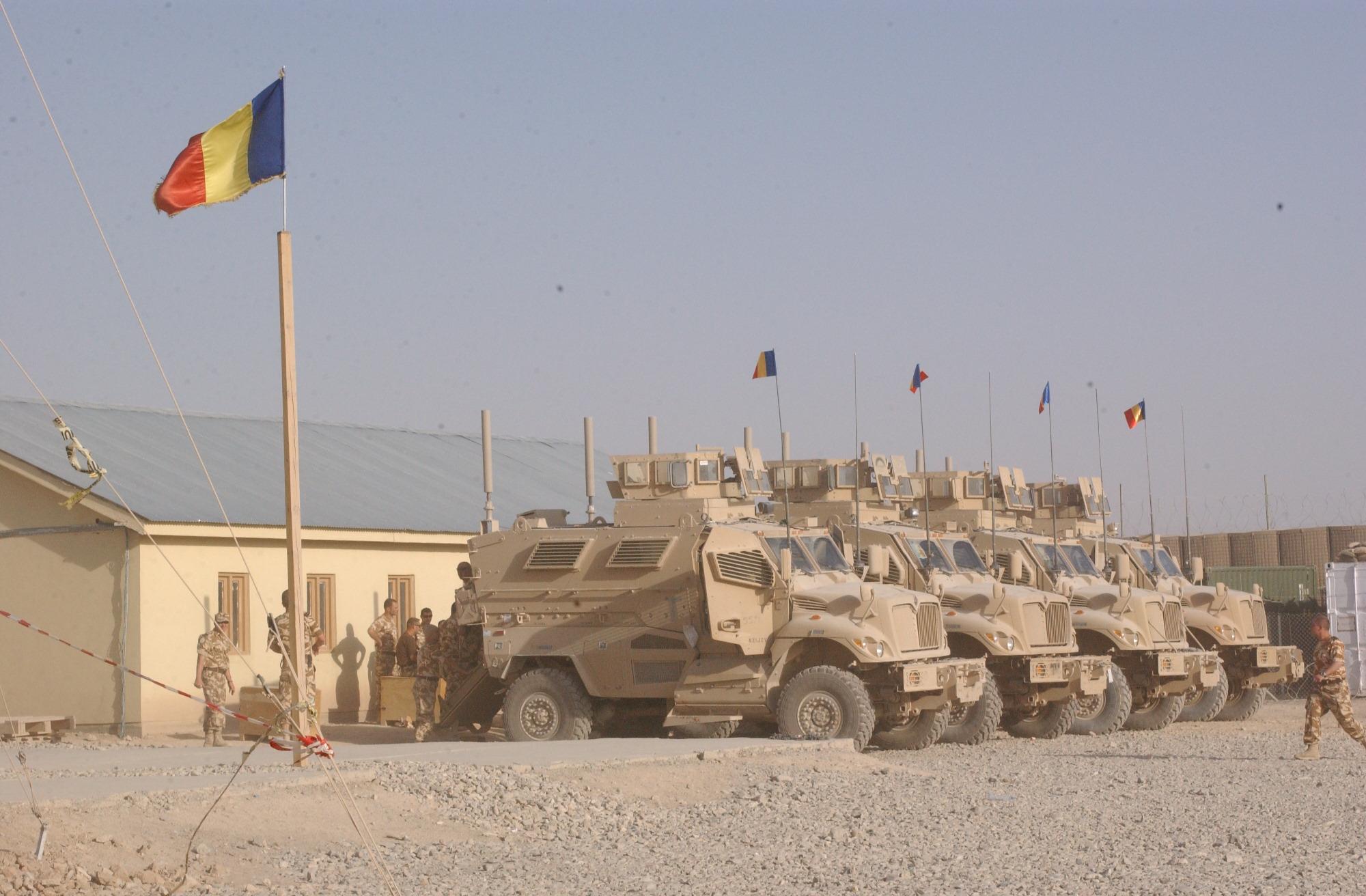 Armée Roumaine Romanian_MaxxPro_Dash_(4x4)_2
