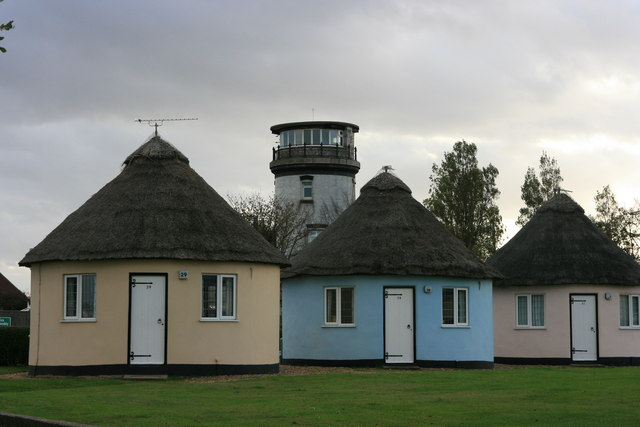 Round Homes Designs: File:Round Houses And Lighthouse, Winterton