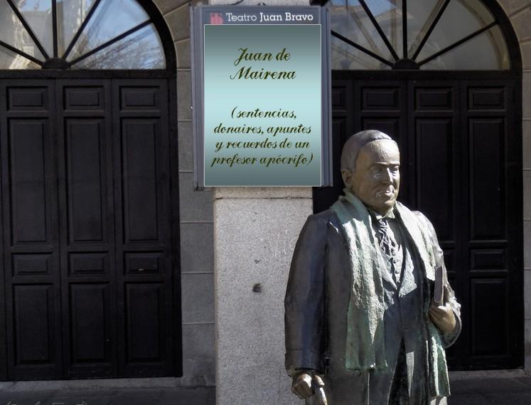 Estatua de Machado ante el Teatro Juan Bravo en la plaza Mayor de Segovia