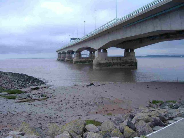 File:Severn Bridge - geograph.org.uk - 444435.jpg