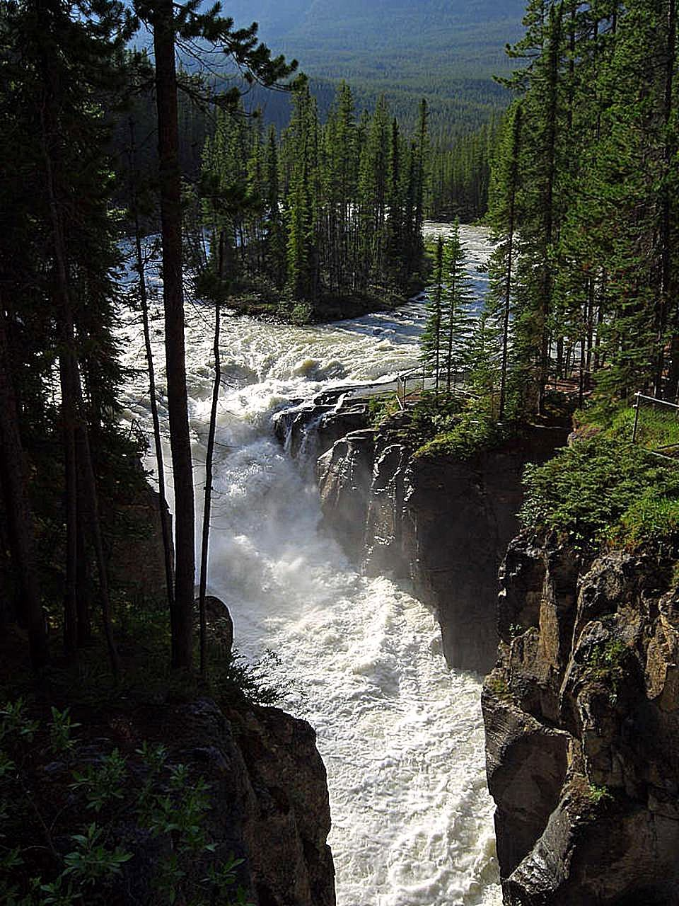 Picture of athabasca falls in jasper national park in alberta canada - File Sunwapta Falls In Jasper National Park Jpg