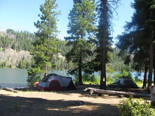 Campsites With Lake Beach Near Dijon