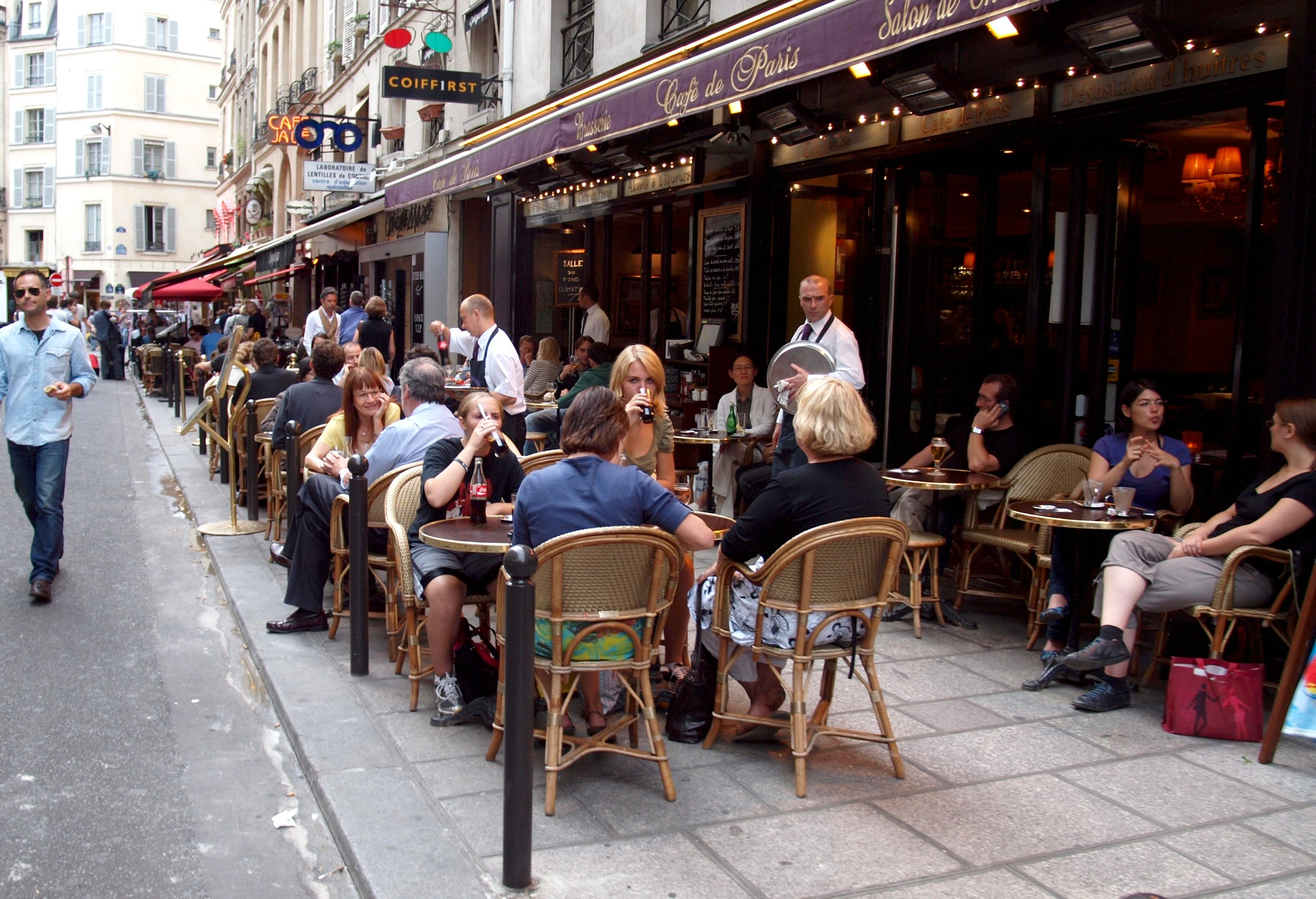 File terrace cafe rue de buci paris july for The terrace cafe bar