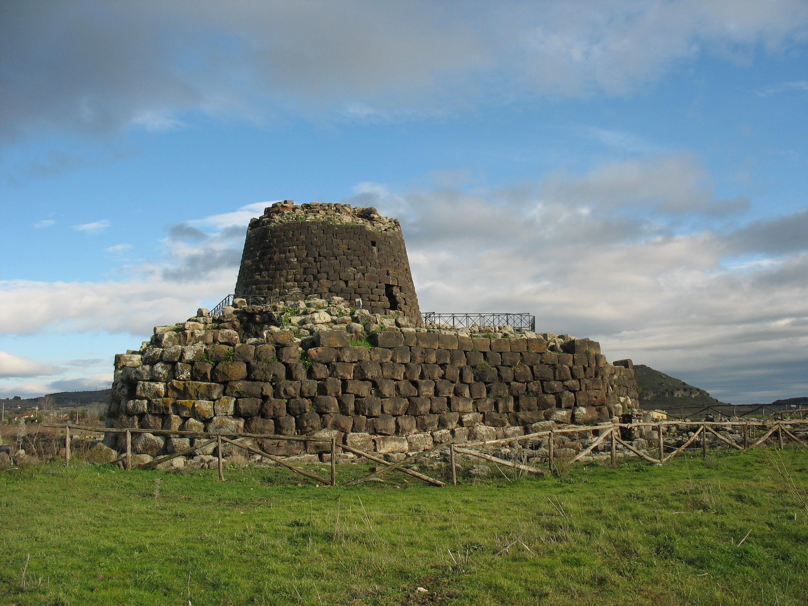 FileTorralba, Nuraghe Santu Antine von Südwestjpg  Wikimedia