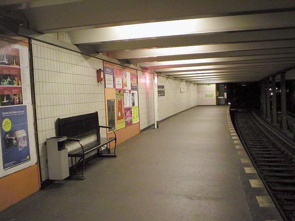 theodor heuss platz metrostation wikipedia. Black Bedroom Furniture Sets. Home Design Ideas