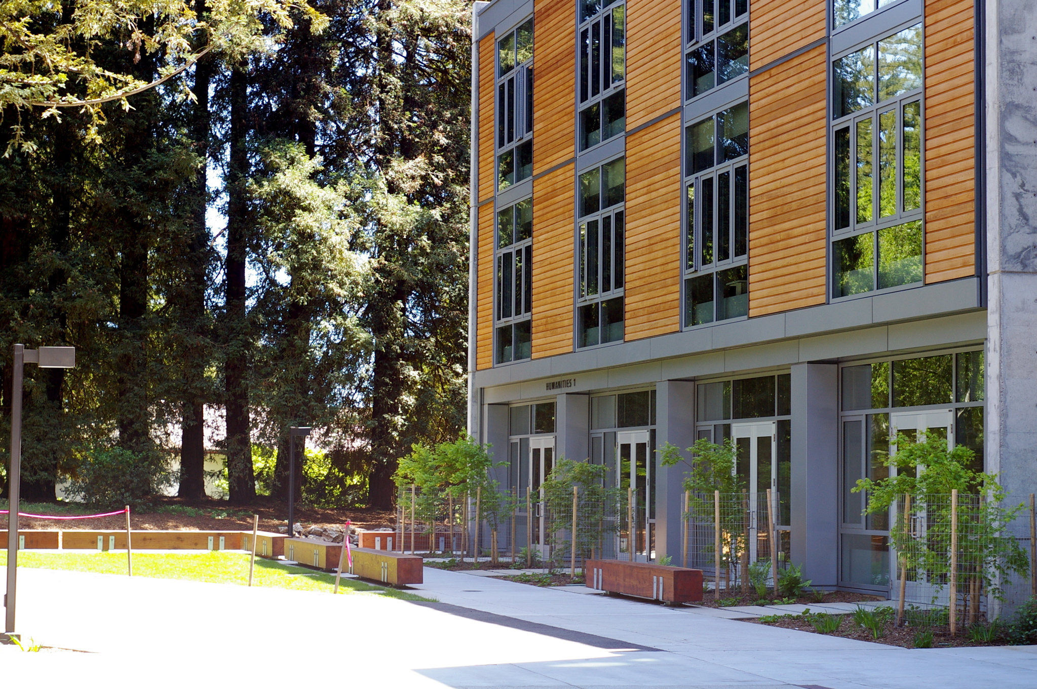 File:UCSC Humanities building.jpg - Wikimedia Commons
