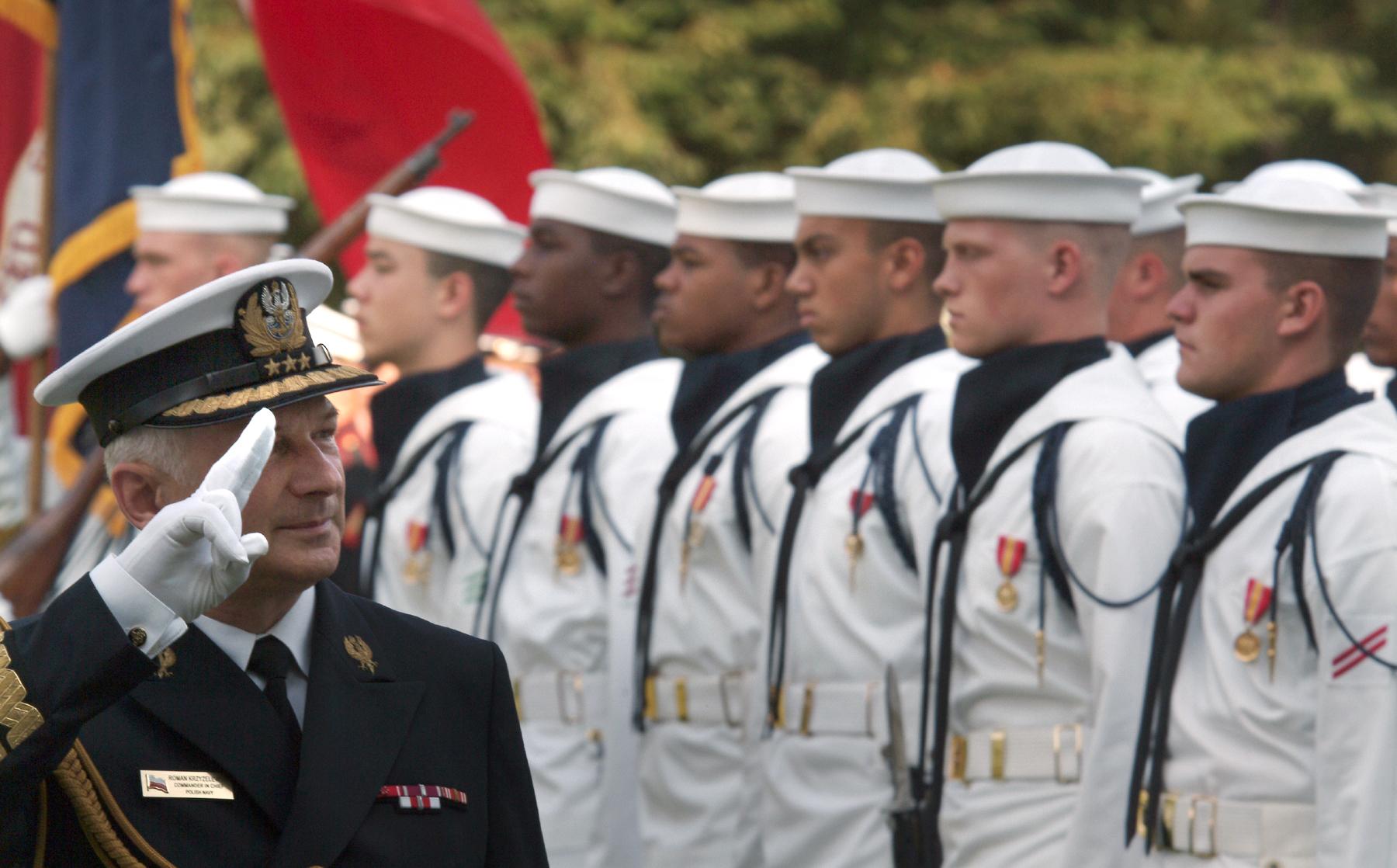 FileUS Navy 040630 N 2383B 037 Fleet Admiral Roman Krzyzelewski