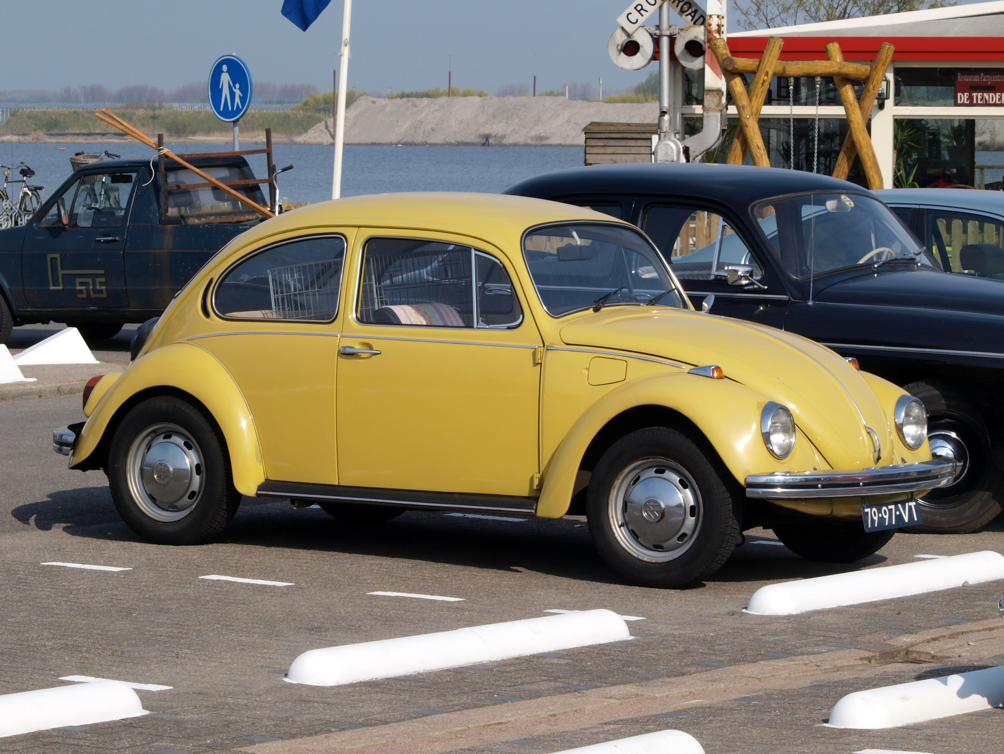 172068670058 together with 1970 Vw Beetle Quotes besides 111625426583 additionally Viewtopic moreover Watch. on 1973 vw bug