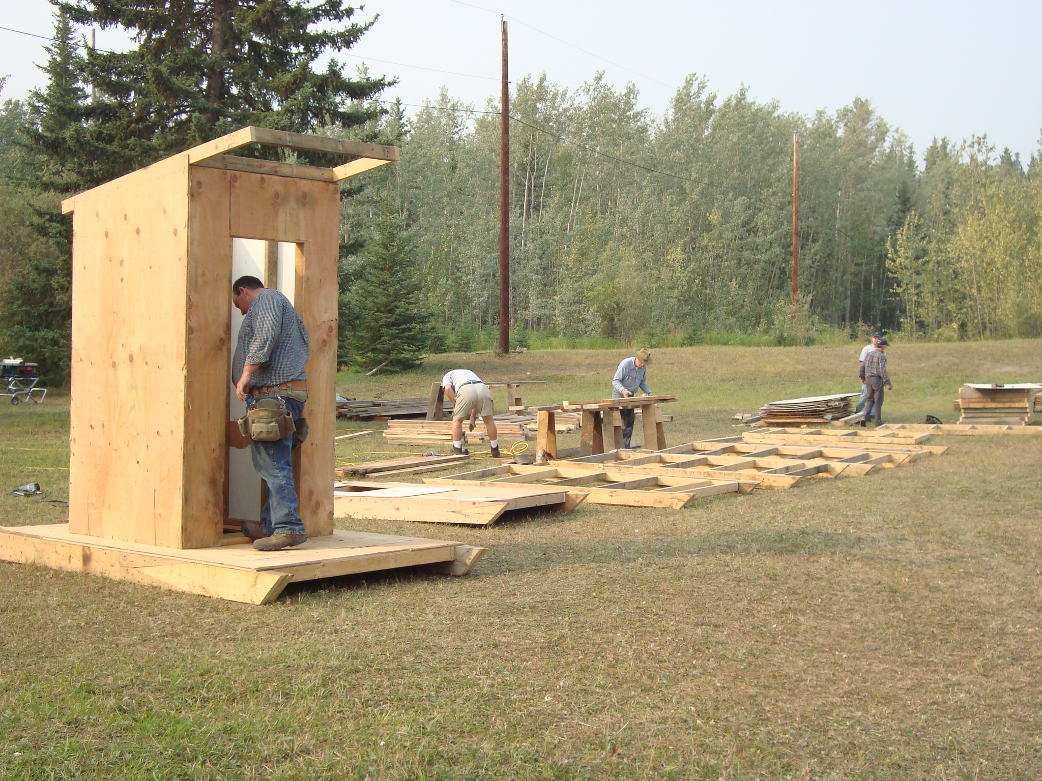 Phenomenal File Volunteers Contructing Outhouses In Eagle Alaska Largest Home Design Picture Inspirations Pitcheantrous