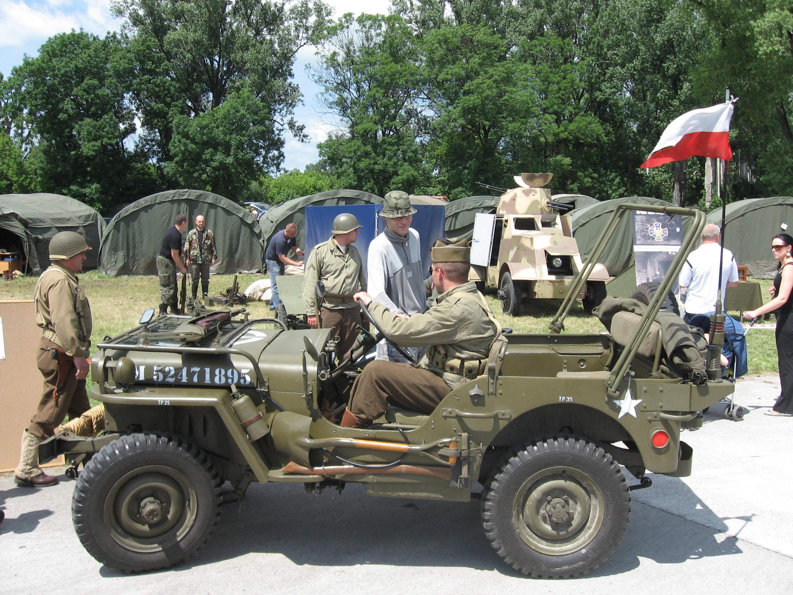 Ww2 Jeep File:Willys MB during the VII Aircraft Picnic in Kraków 3 ...