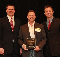 English: Jason Dishon, AVP of Windstream, pres...