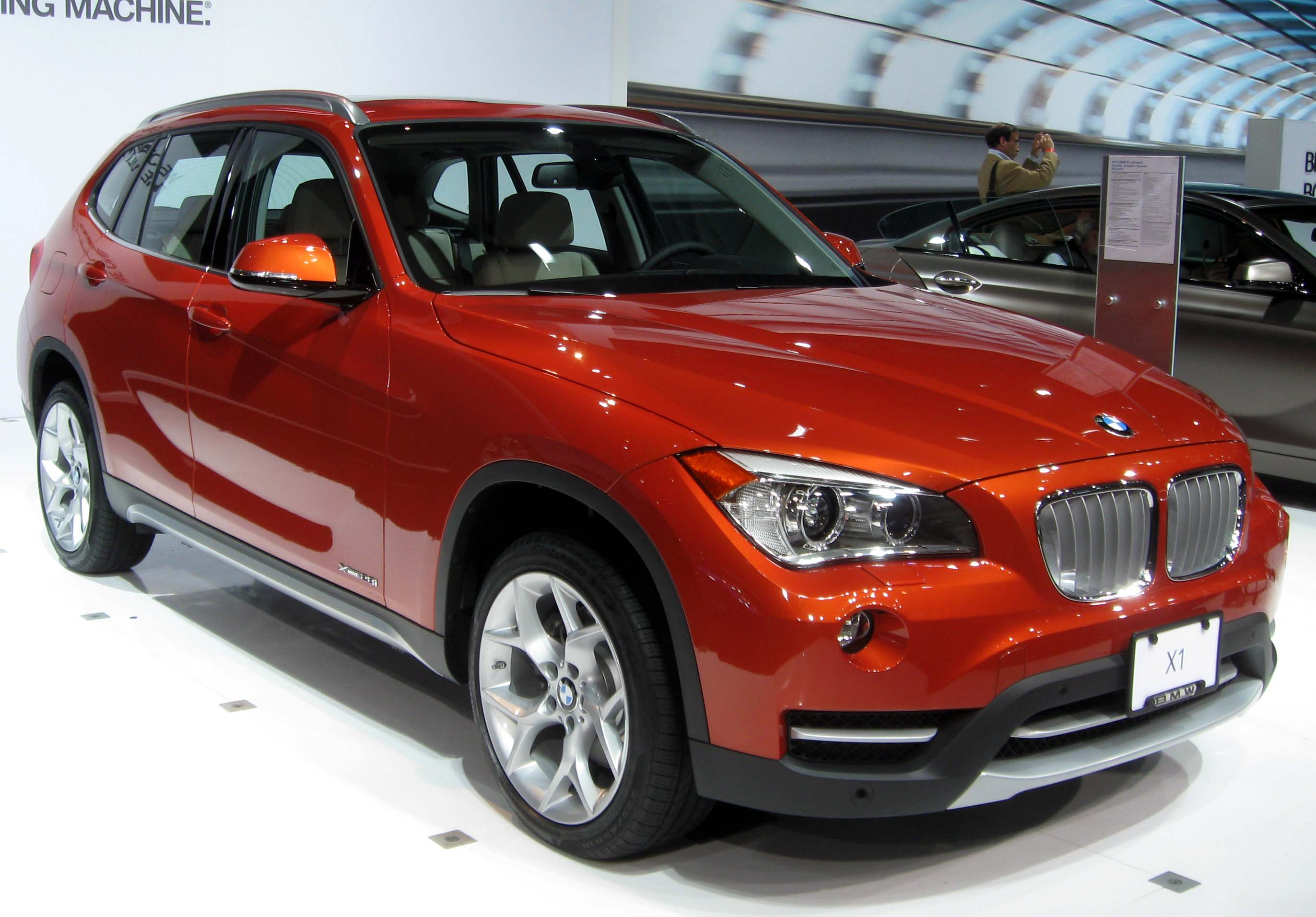 file 2013 bmw x1 2012 nyias jpg wikimedia commons. Black Bedroom Furniture Sets. Home Design Ideas