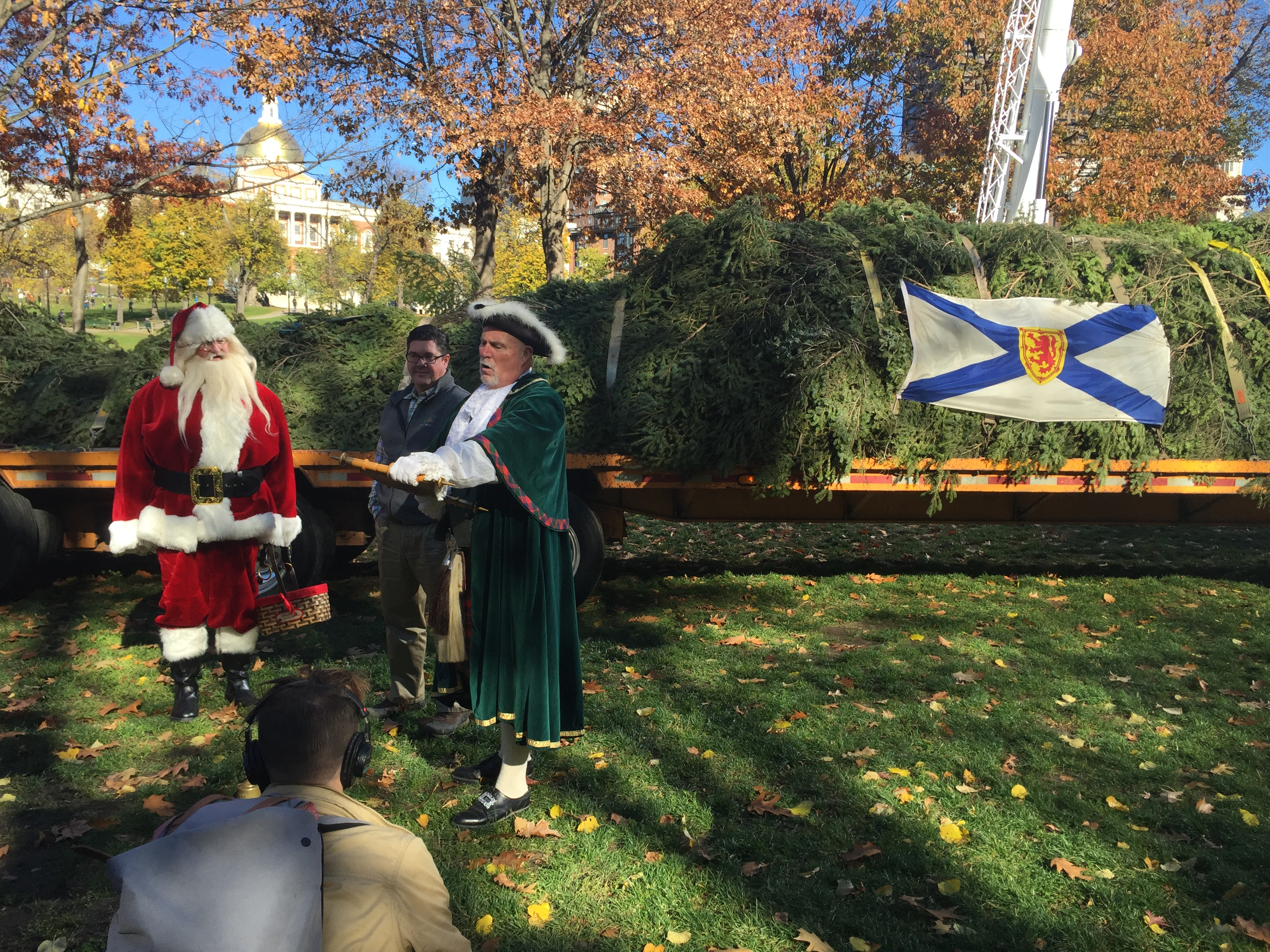 a town crier and santa claus welcome the boston christmas tree on the boston common - Christmas Events In Boston 2014