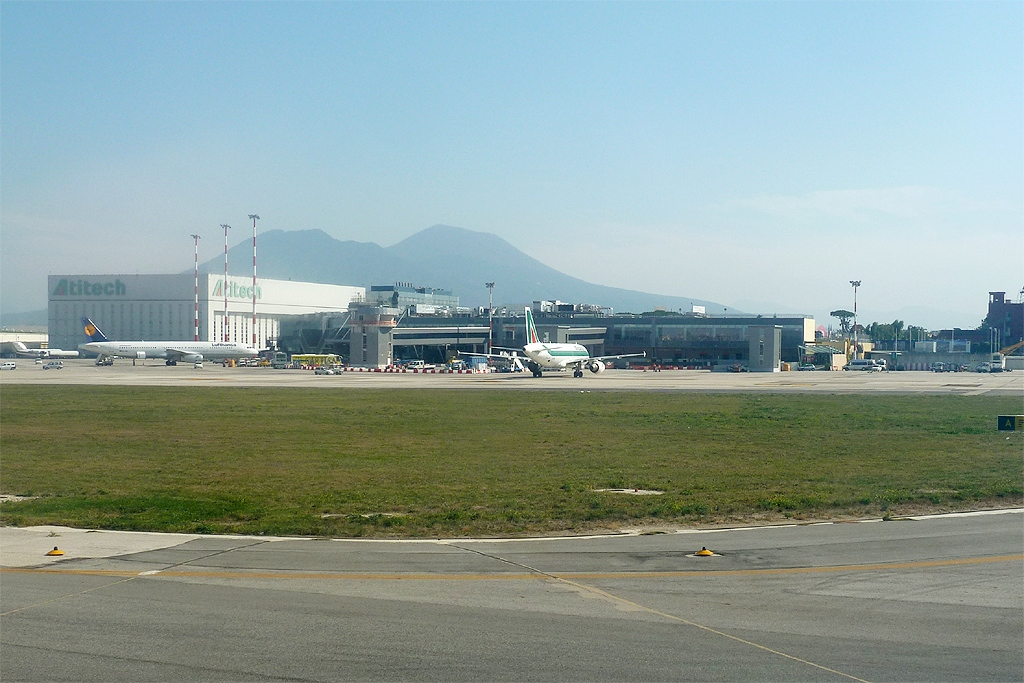 naples nap airport