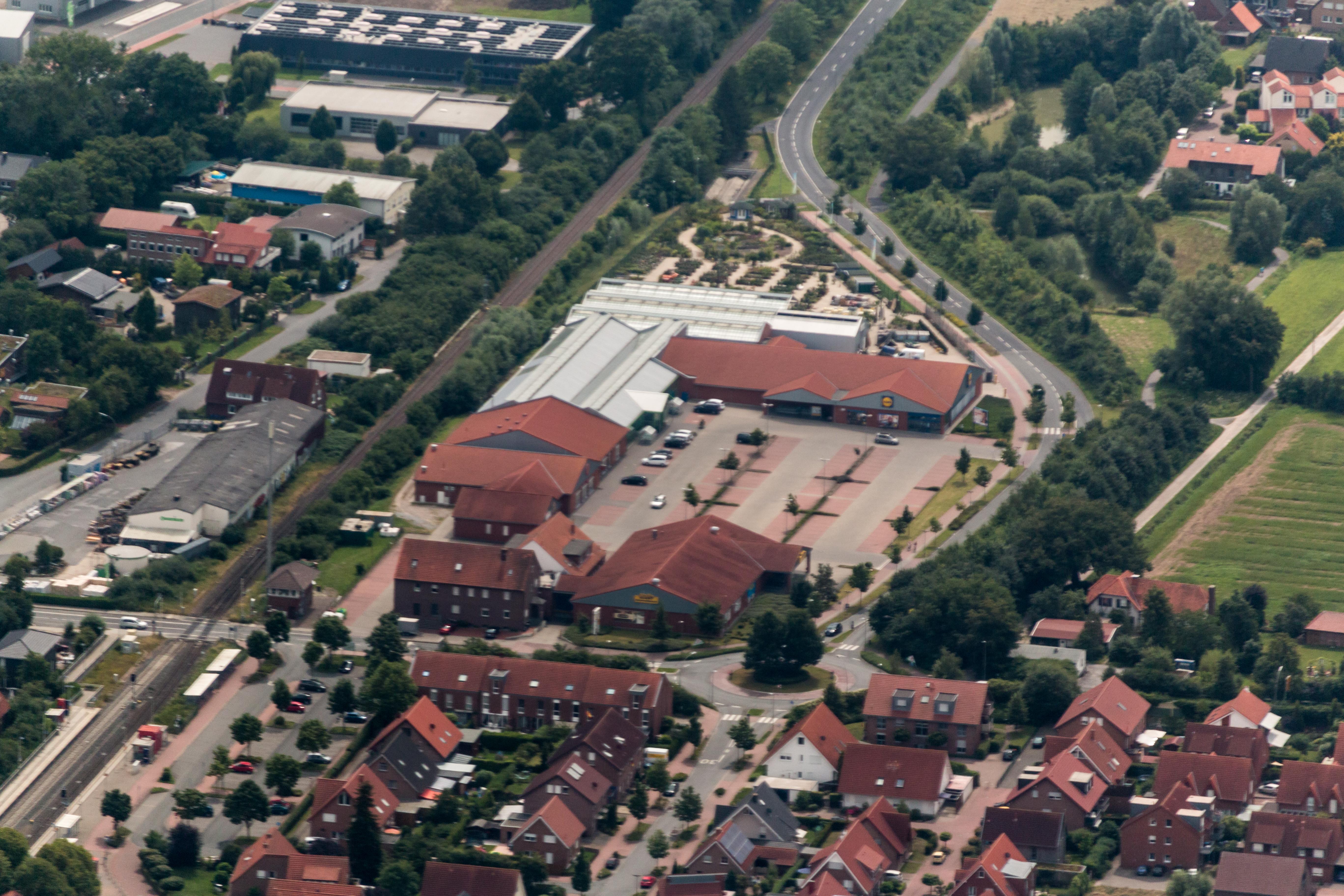 File Altenberge Einkaufszentrum 2014 2530 Jpg Wikimedia