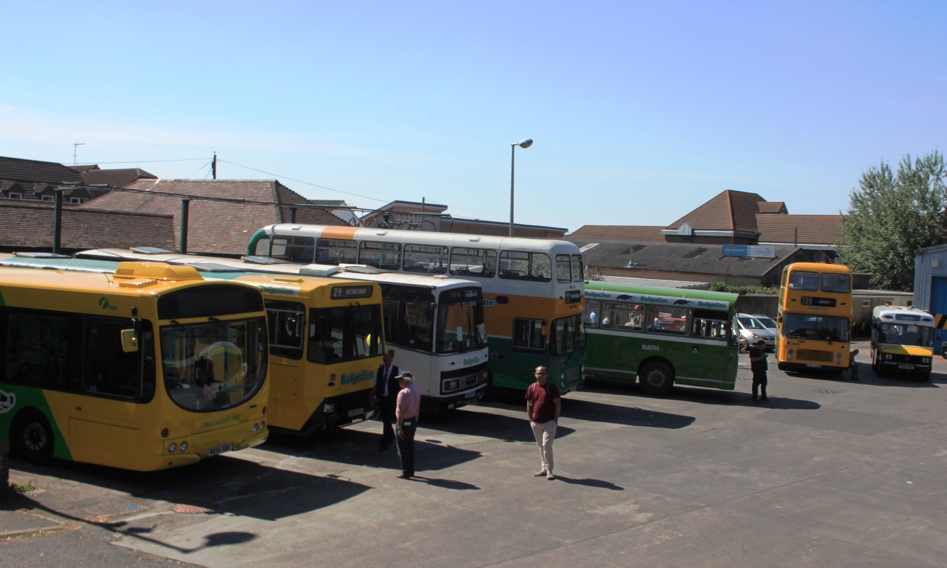 File:Badgerline 30 - First 66726 (WX54XDK) Badgerline 101 (D101GHY) 2098