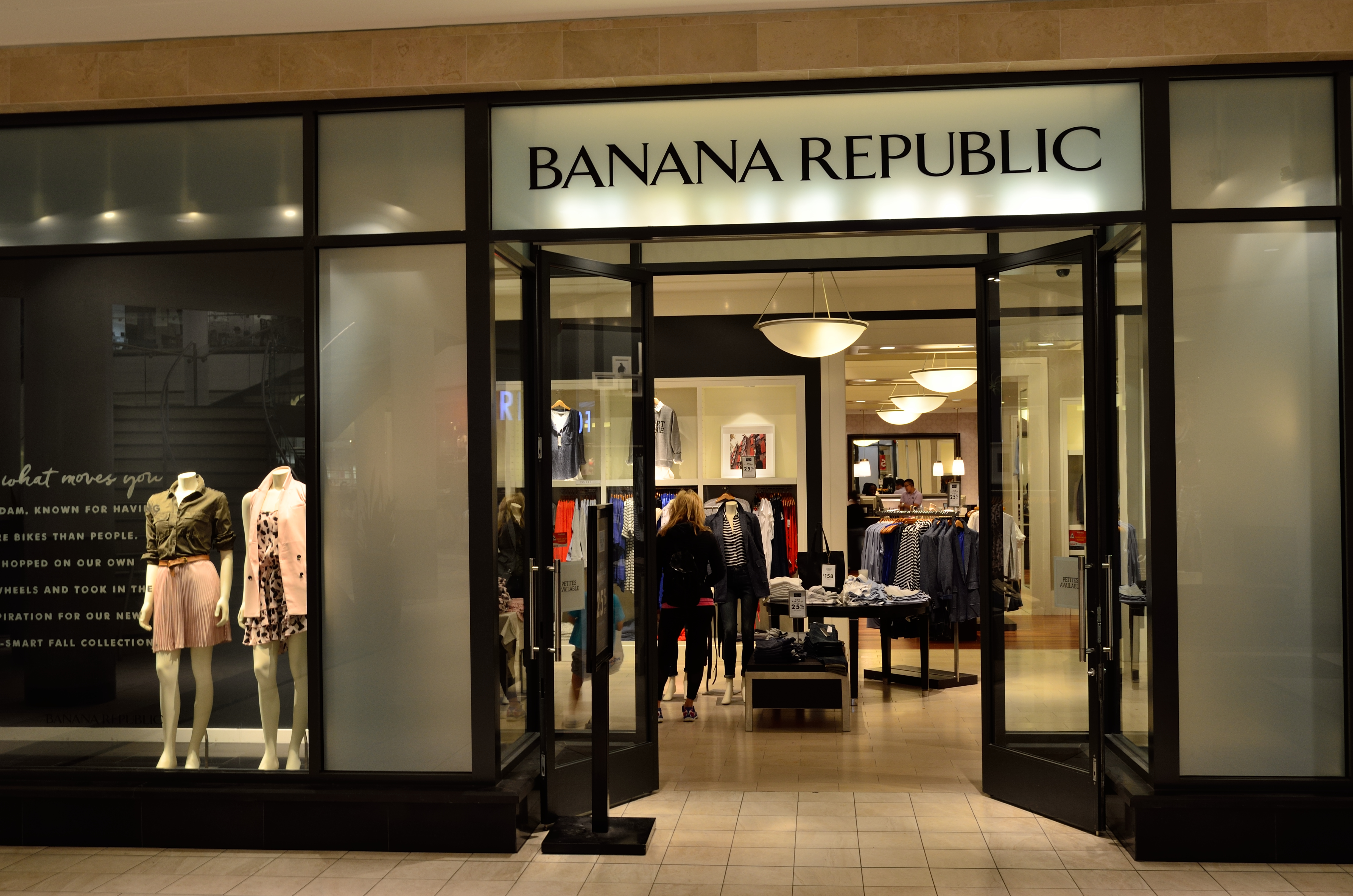 For a classic, refined yet trendy style, Banana Republic offers the finest in men's and women's clothing, shoes and accessories. Find casual denim, swimwear and .